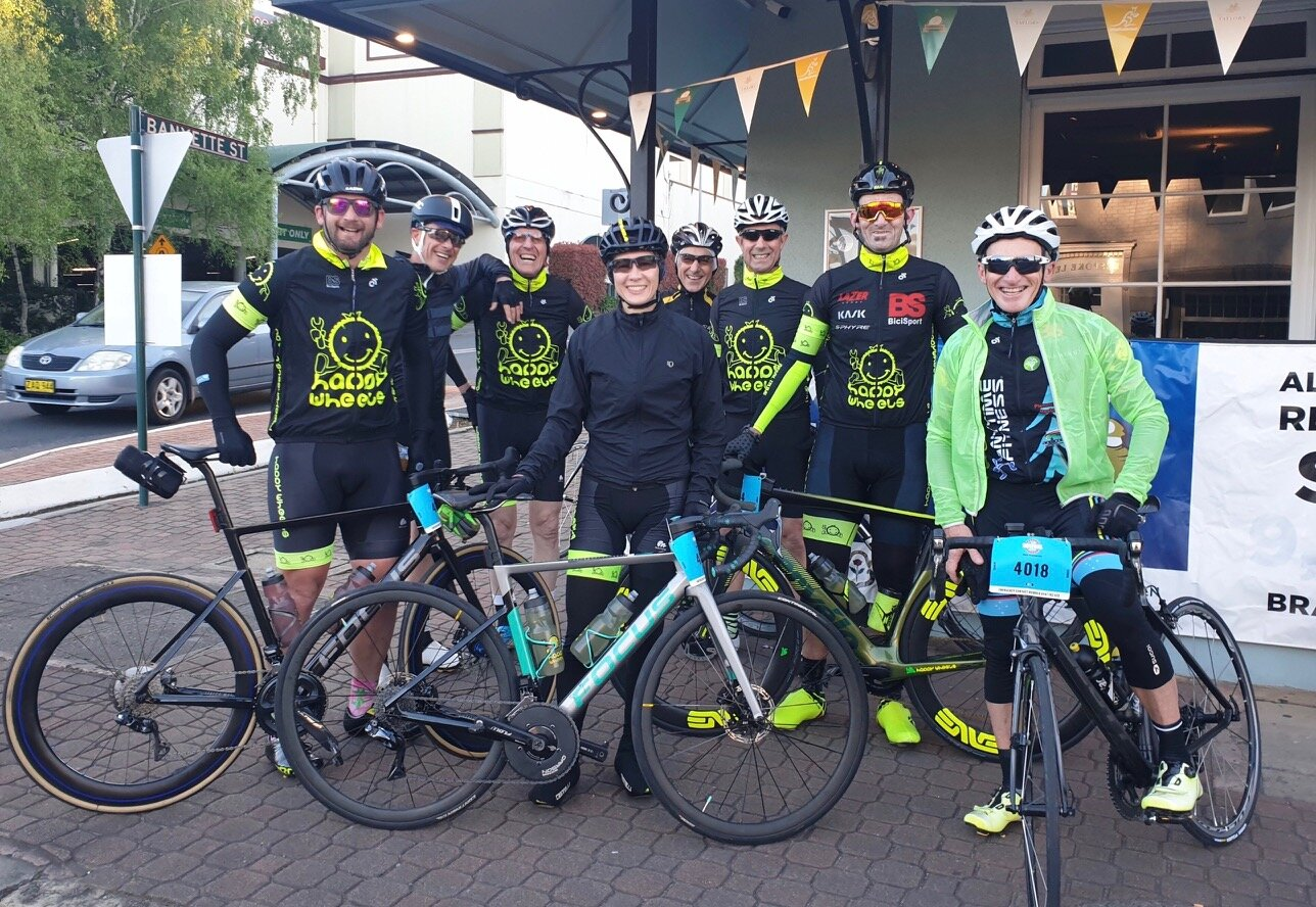 Bowral Classic @ 20 Oct @ Bowral start - a very happy peloton on the start line