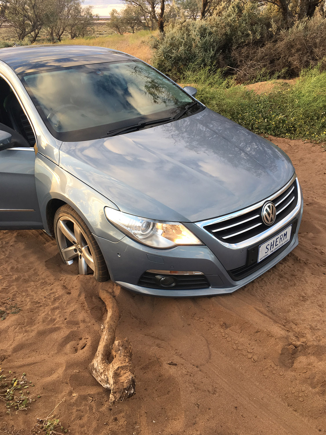 Car bogged in fine sand at Lake Tyrell.jpg