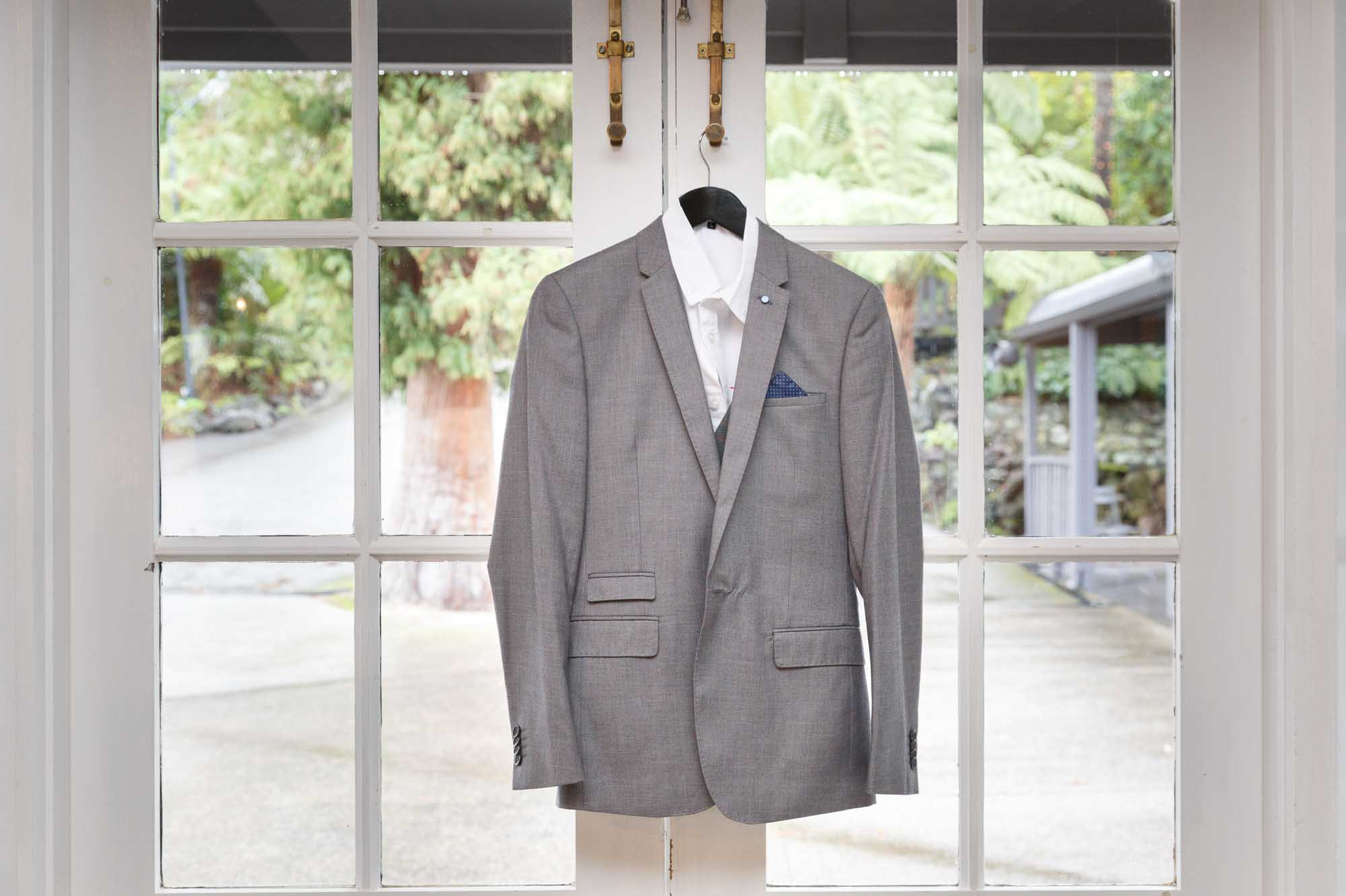 ©Sherman Tan Studio_Melbourne Wedding Photography_Groom Preparation_Paul & Rowenia_01_Prep_005.jpg