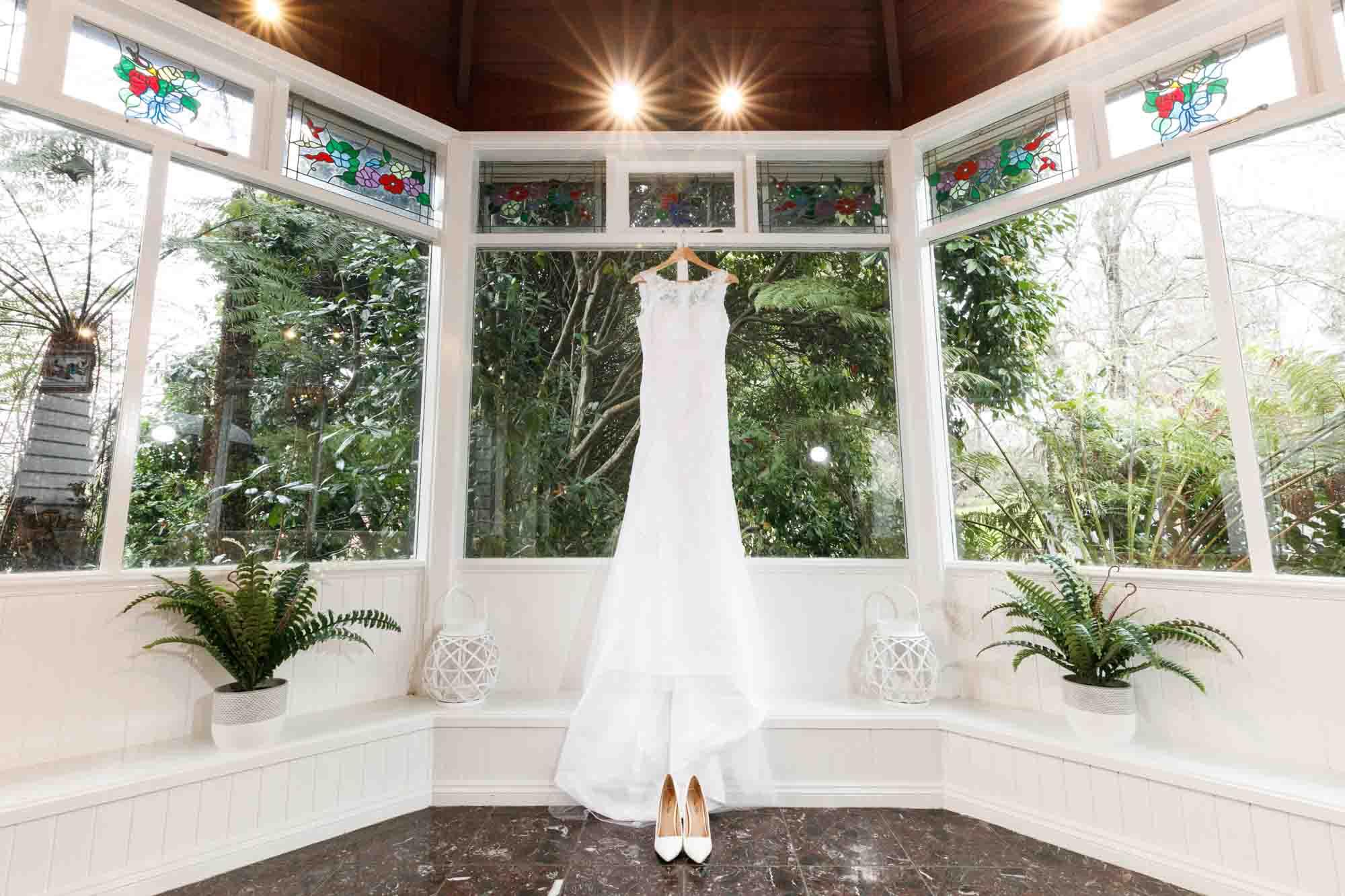 ©Sherman Tan Studio_Melbourne Wedding Photography_Bride Preparation_Paul & Rowenia_01_Prep_133.jpg