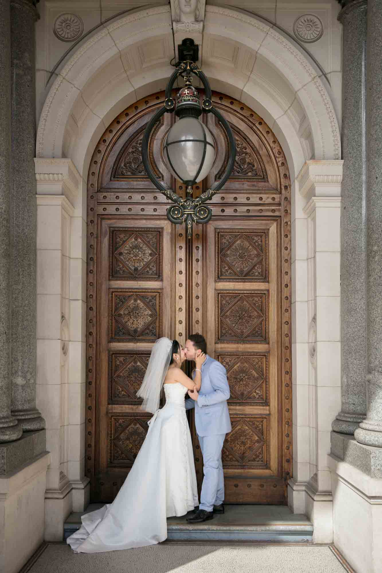 ©Sherman Tan Studio_Melbourne Wedding Photographer_Best Portrait Locations_Jarrod and Sylvia 5d-0588.jpg