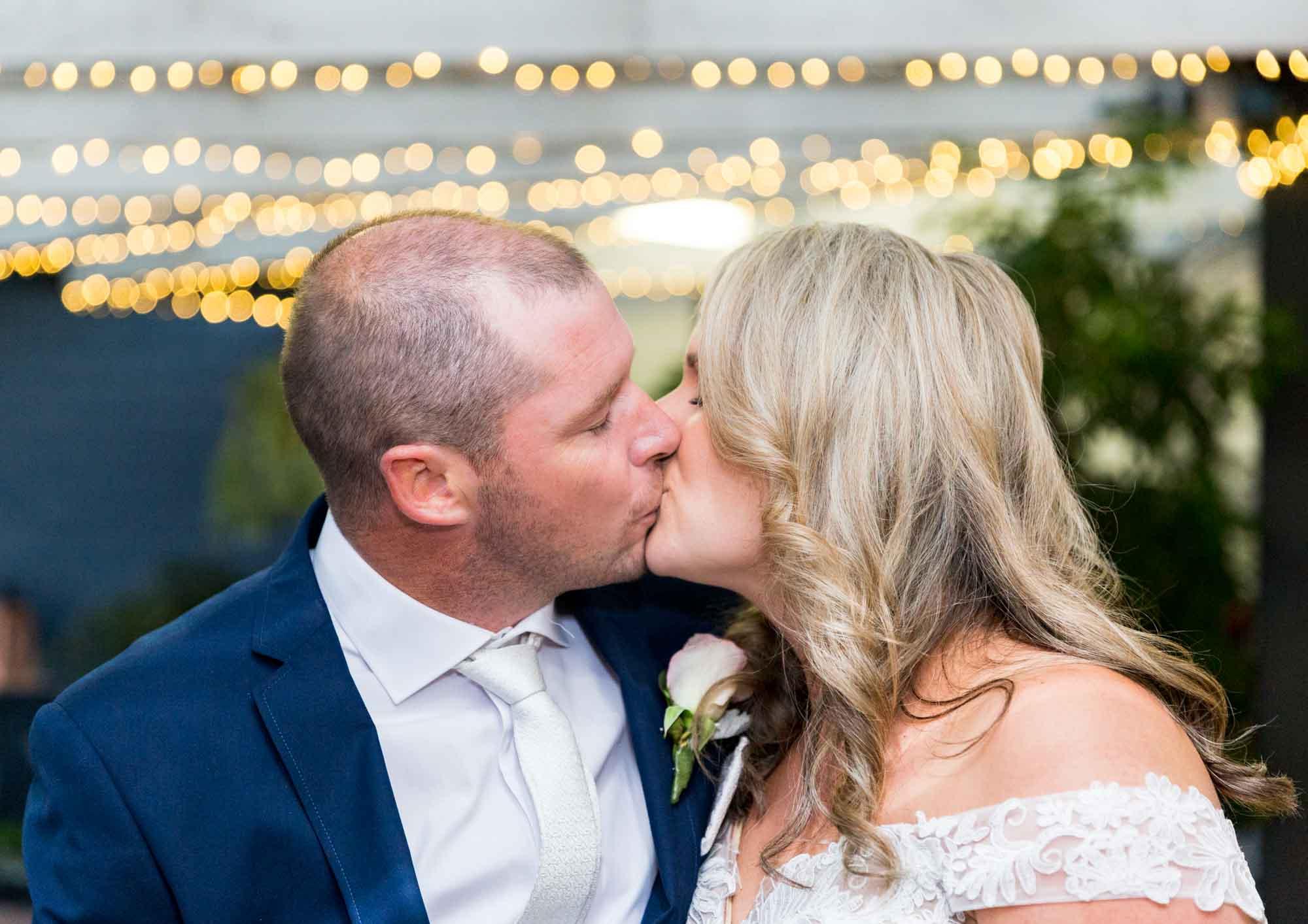 ©Sherman Tan Studio_Melbourne Wedding Photographer_Best Portrait Locations_Shane and Lorraine-0603.jpg
