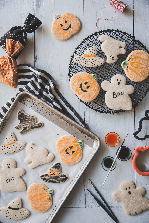 Easy painted Halloween sugar cookies