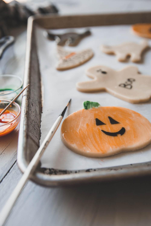 Painted Halloween pumpkin cookie
