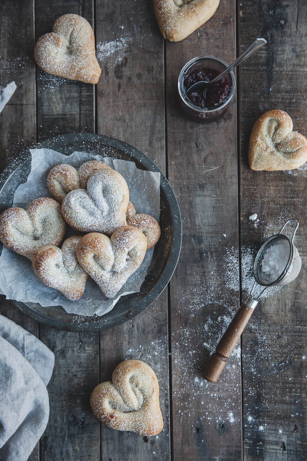 Heart-shaped cardamom buns