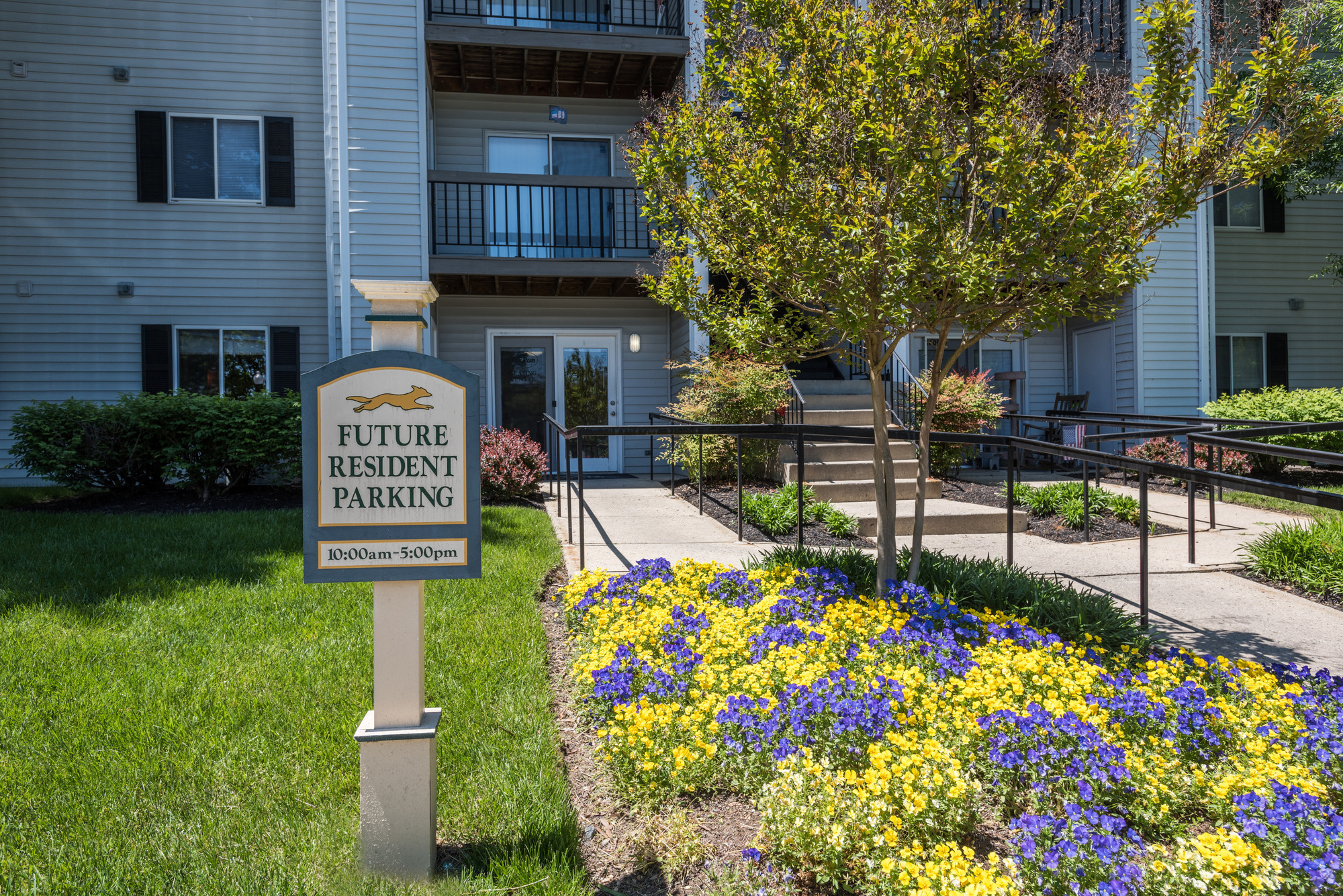 Leasing Center Entrance at Fox Run Apartments in Edgewood, MD