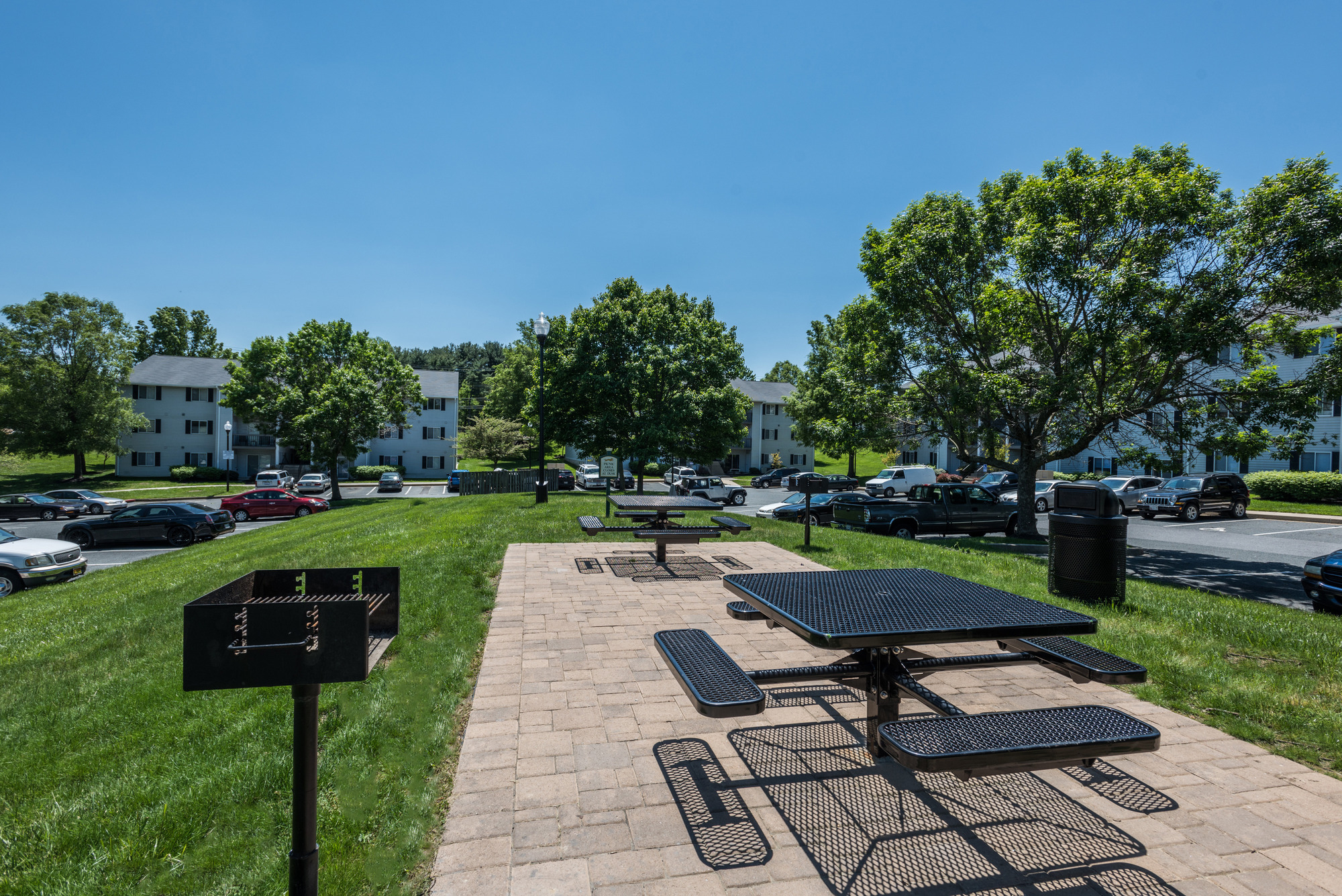 Grill & Picnic Area at Fox Run Apartments in Edgewood, MD