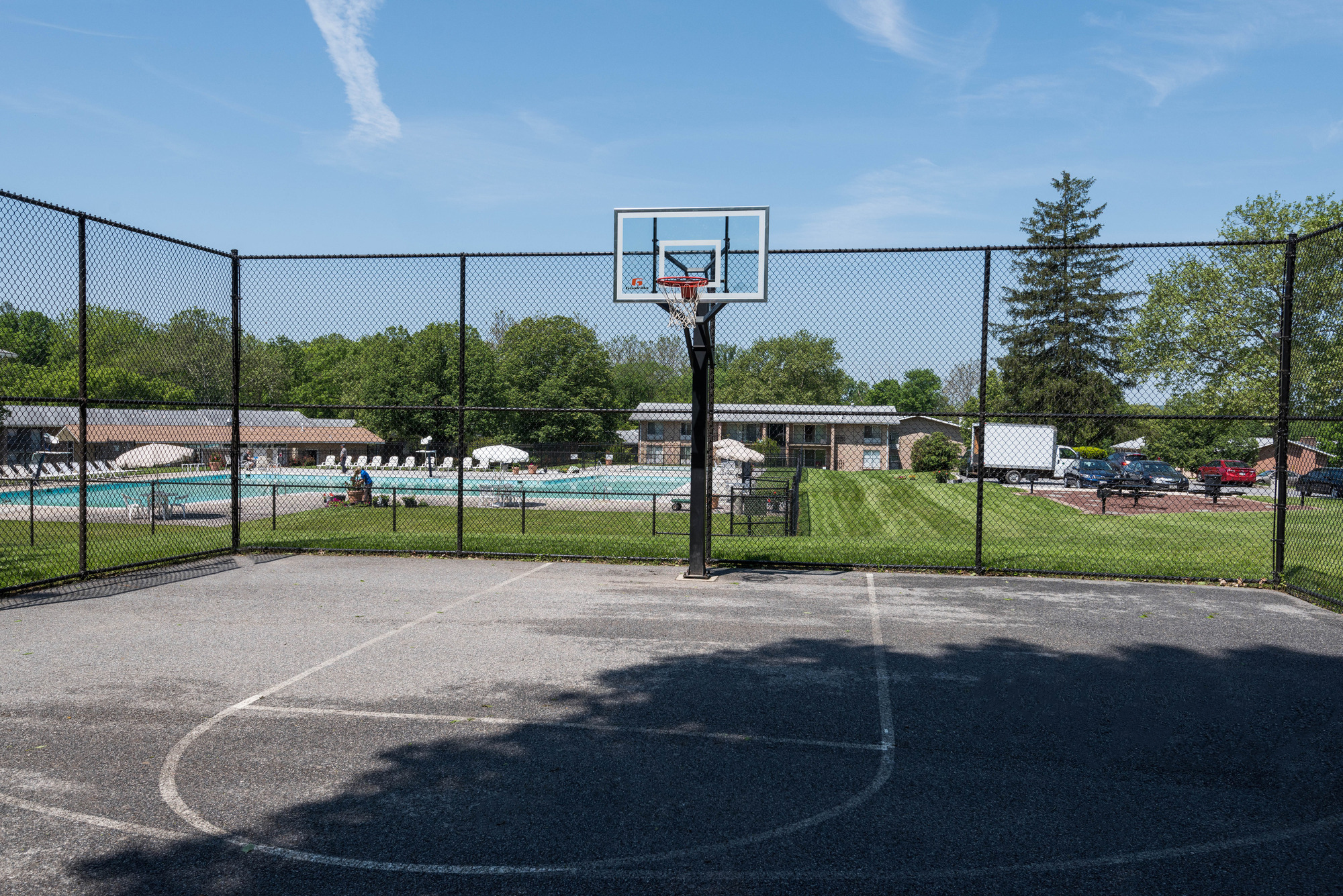 Hampton Manor Apartments & Townhomes in Cockeysville, MD - Basketball Court