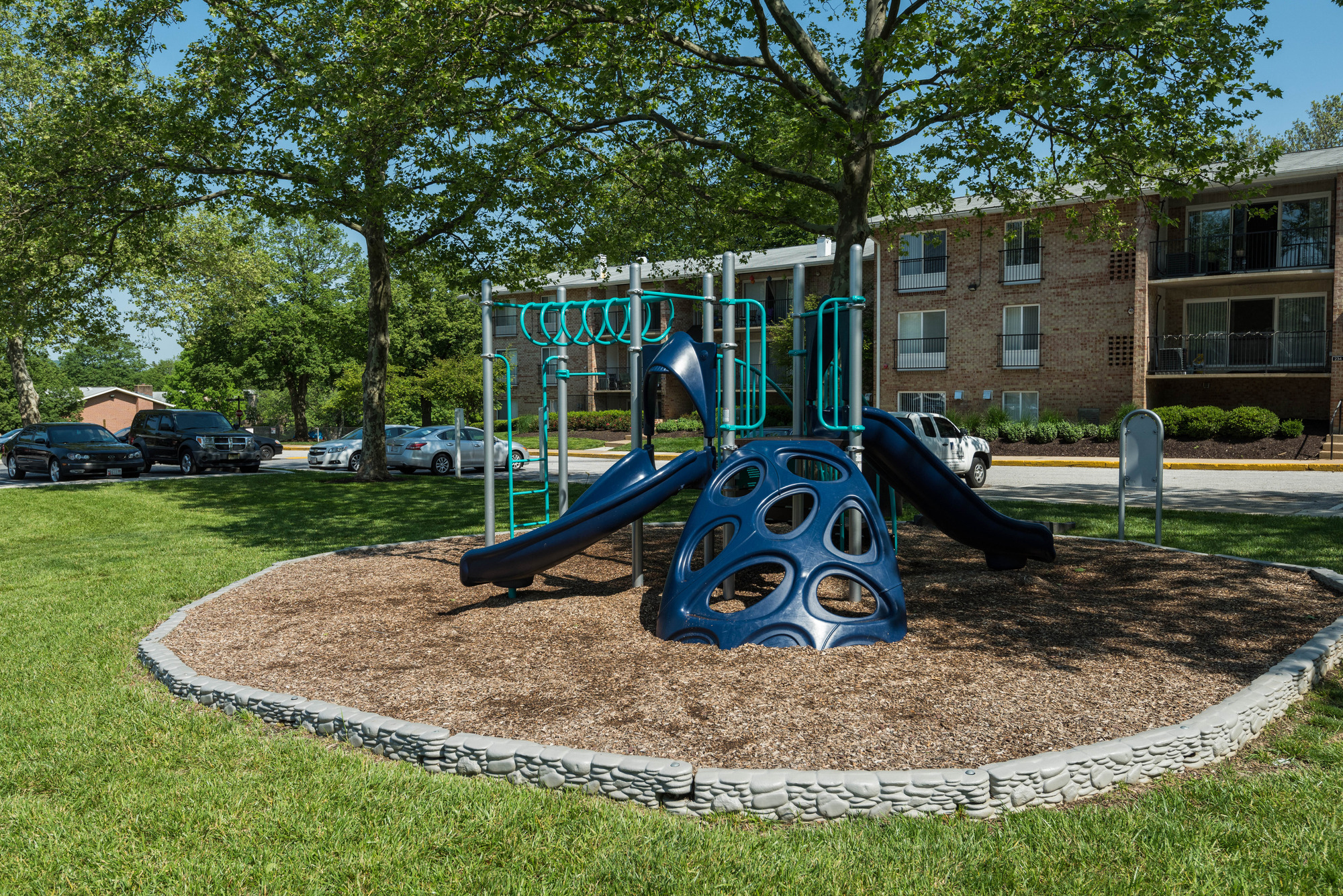 Hampton Manor Apartments & Townhomes in Cockeysville, MD - Playground