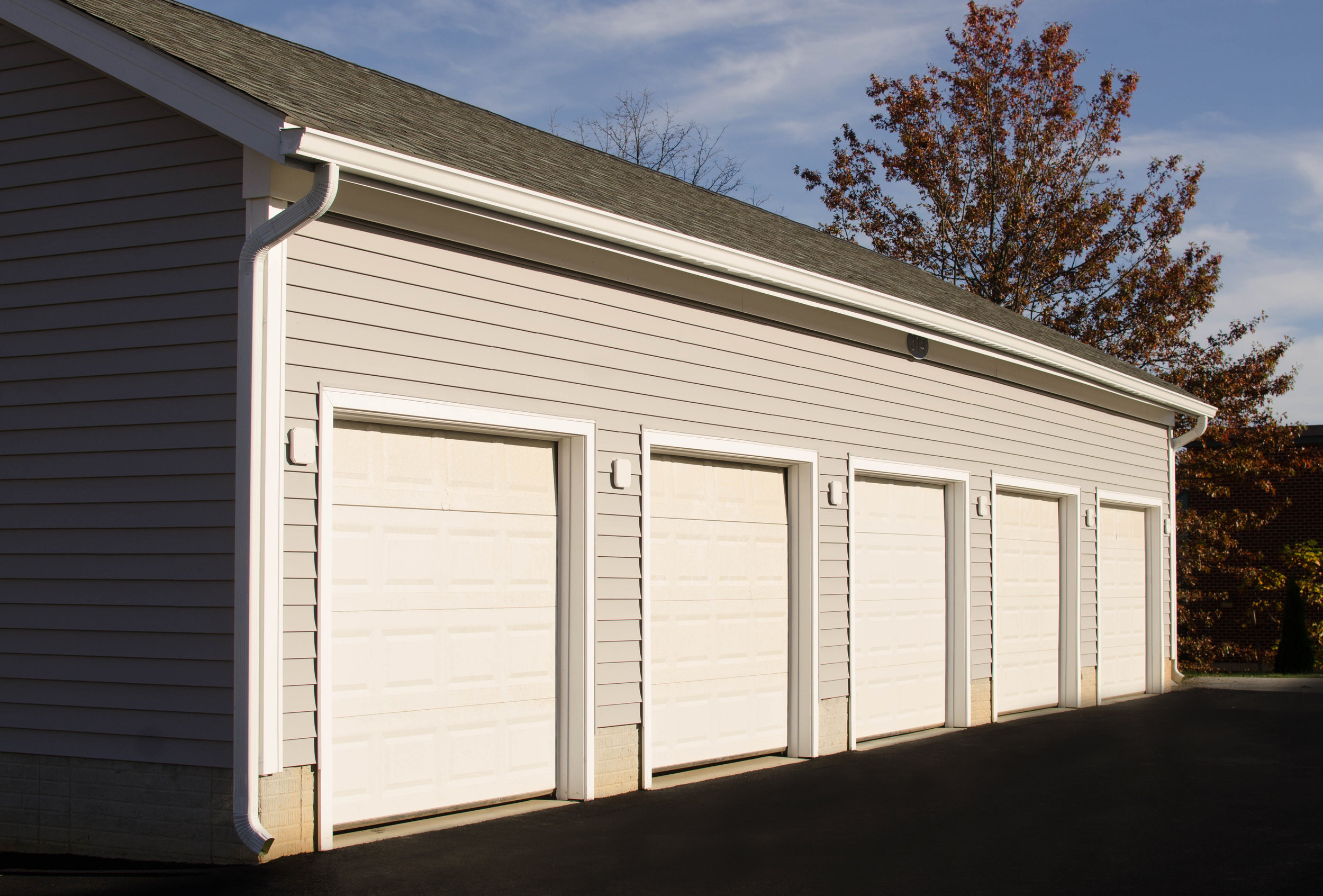 Detached Garages at Avanti Luxury Apartments