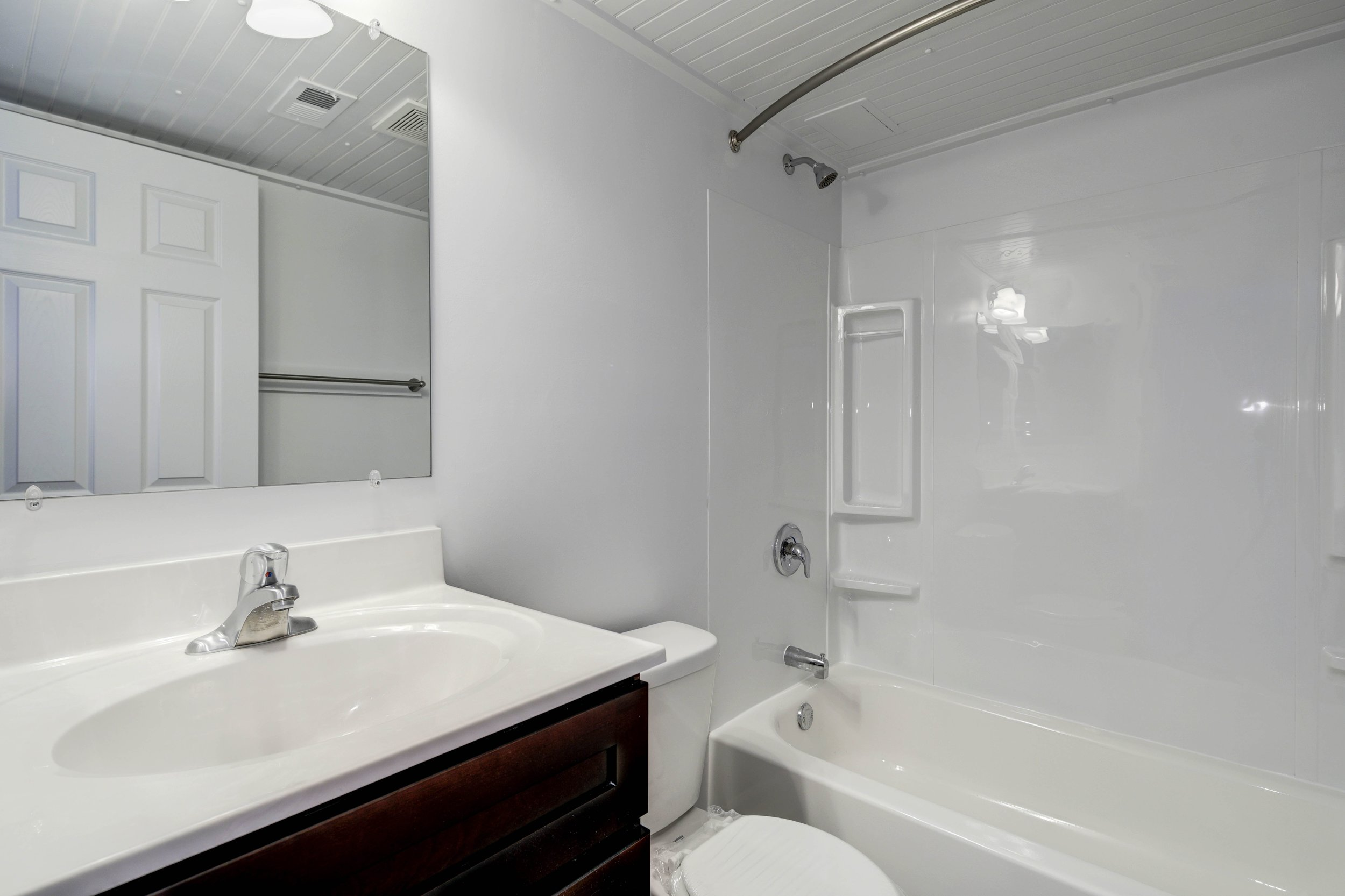 Renovated Apartment - Bathroom.jpg