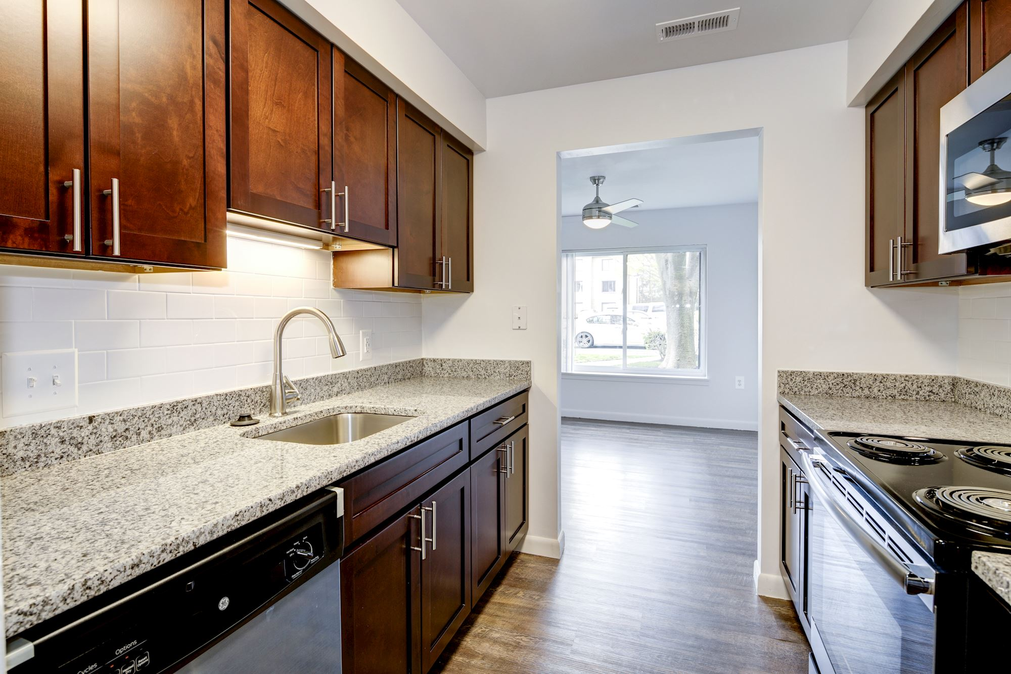 Annen Woods Apartments in Pikesville, MD - Updated Kitchen