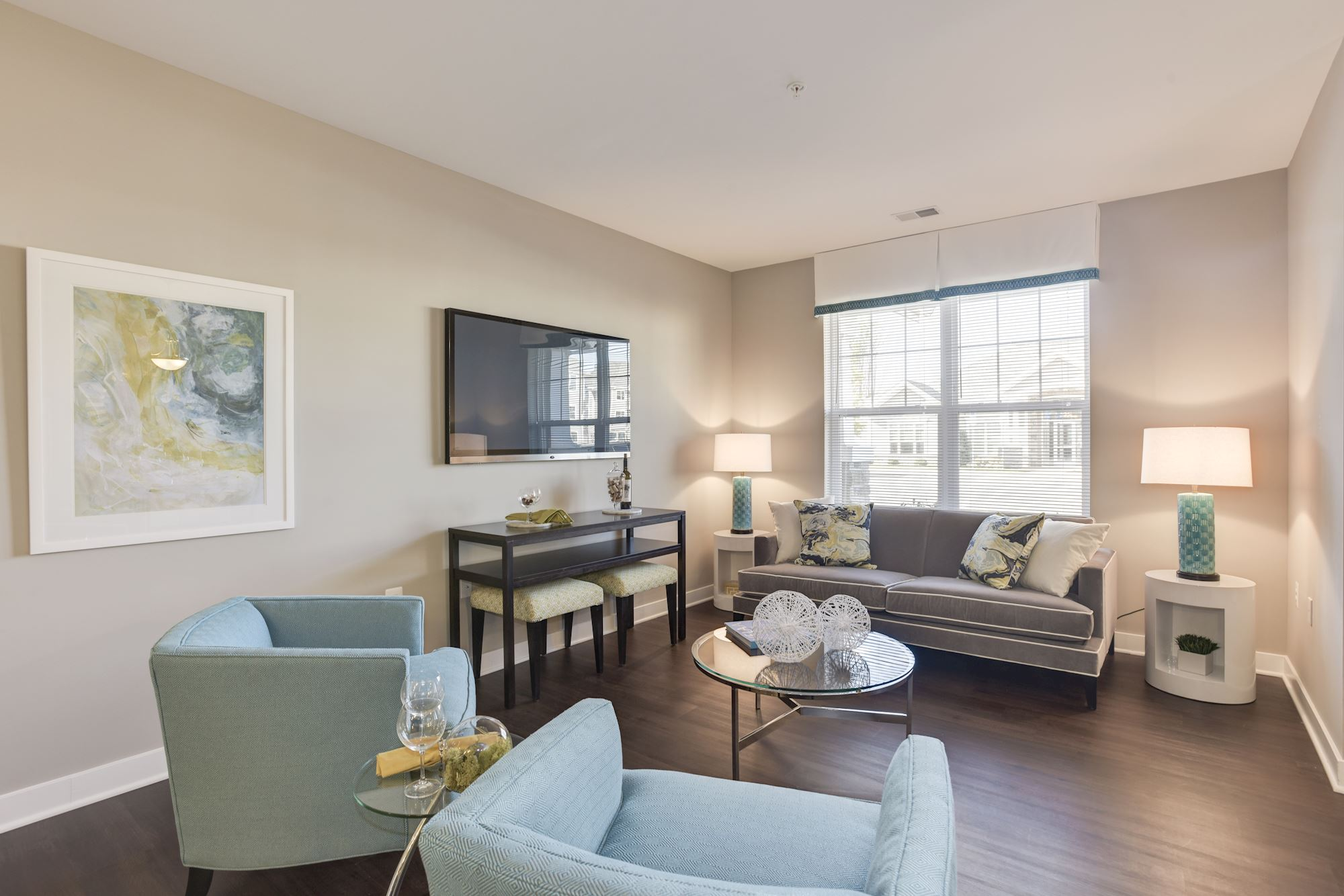 Avanti Luxury Apartments in Bel Air, MD - Living Room