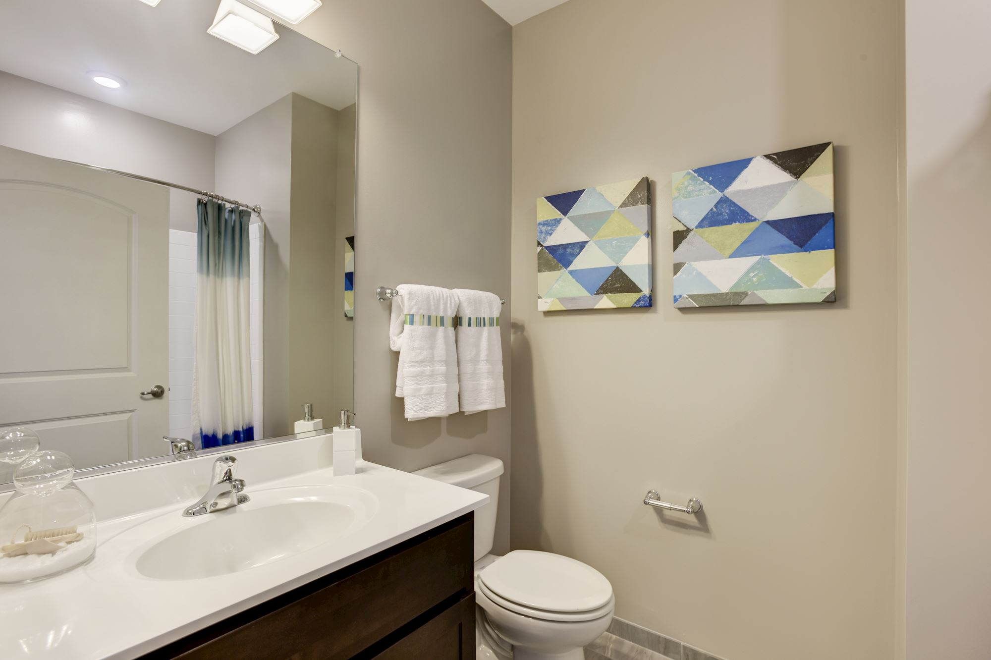 Avanti Luxury Apartments in Bel Air, MD - Bathroom