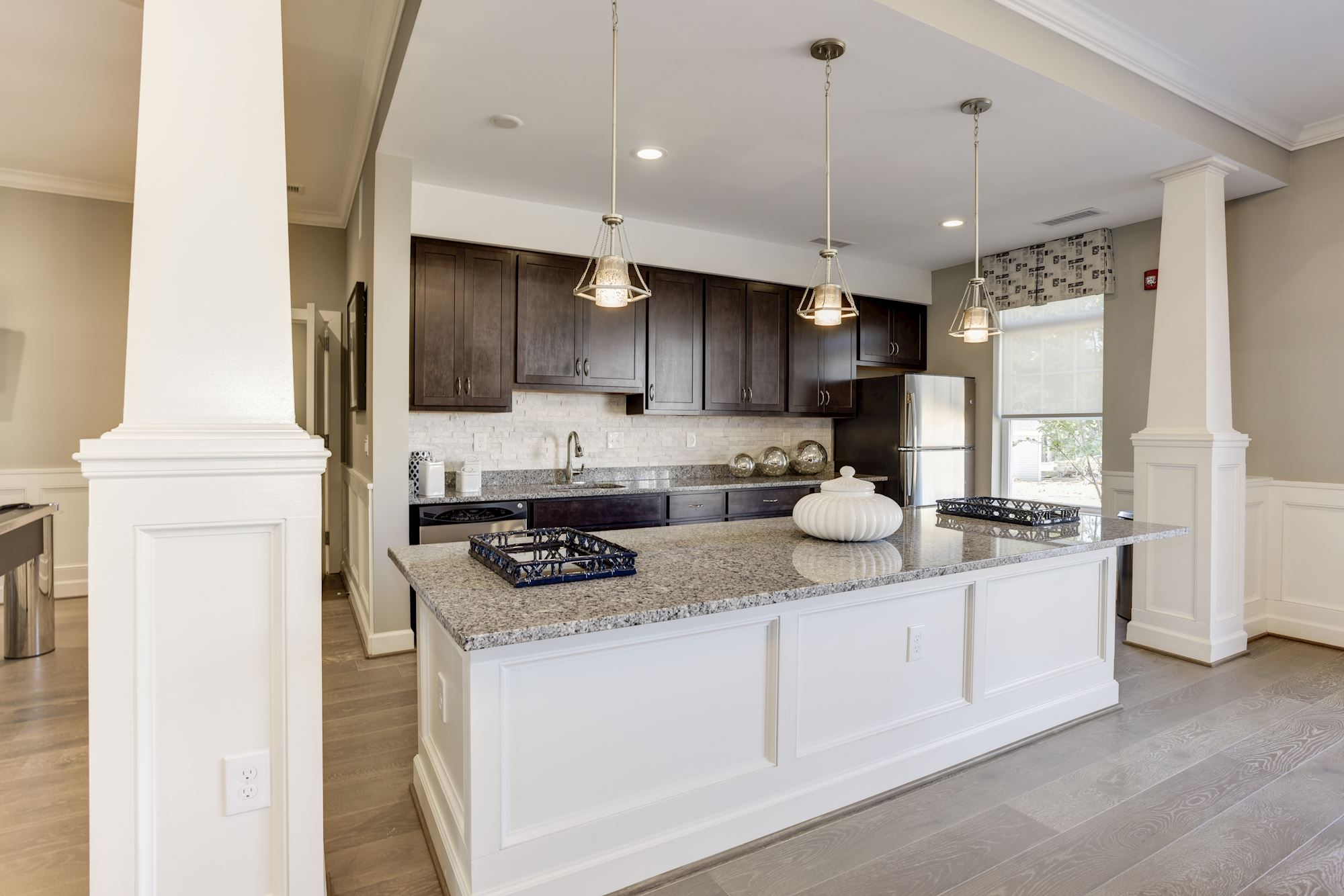 Avanti Luxury Apartments in Bel Air, MD - Clubhouse Kitchen