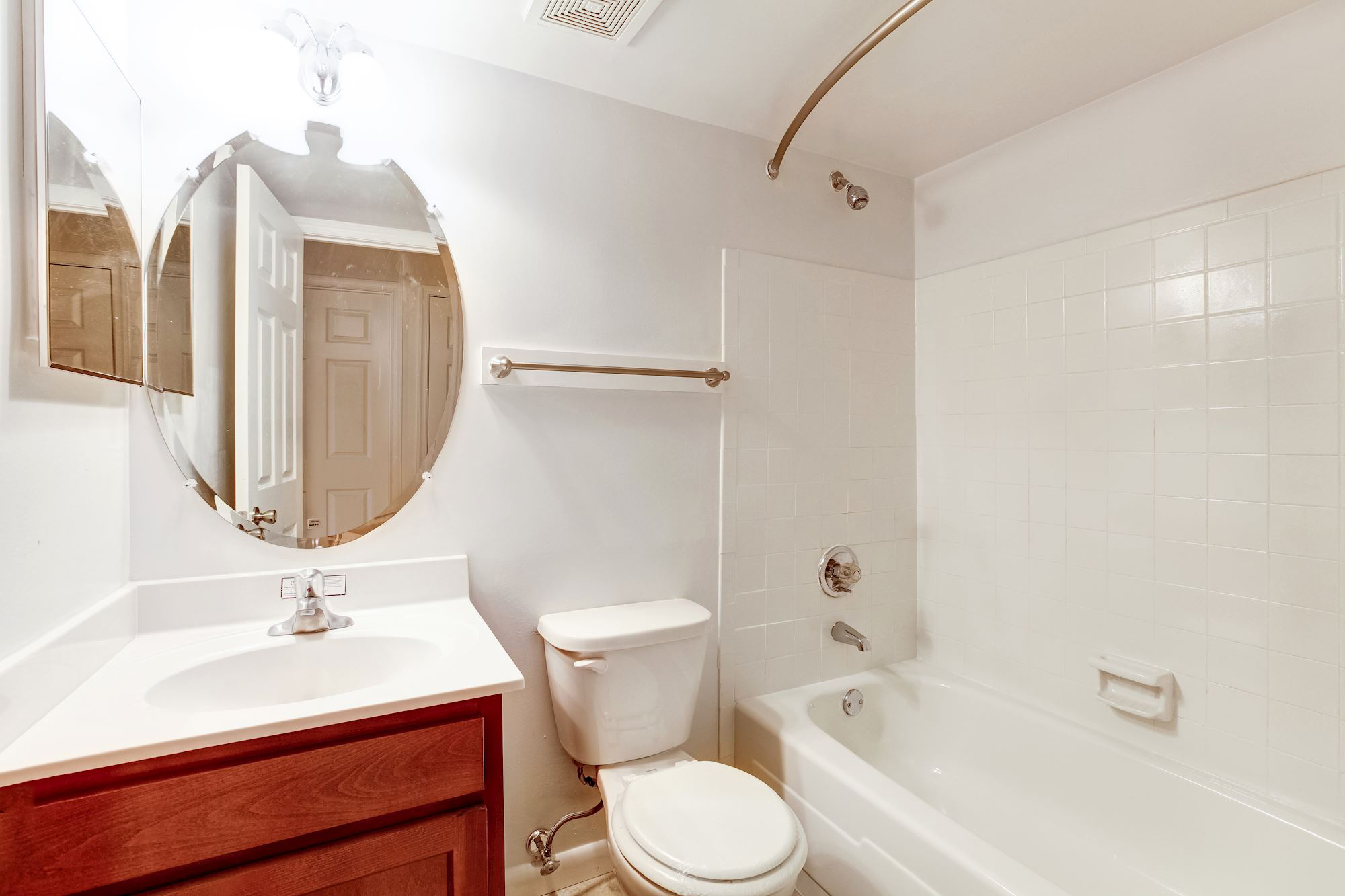 Rolling Park Apartments in Windsor Mill, MD - Bathroom