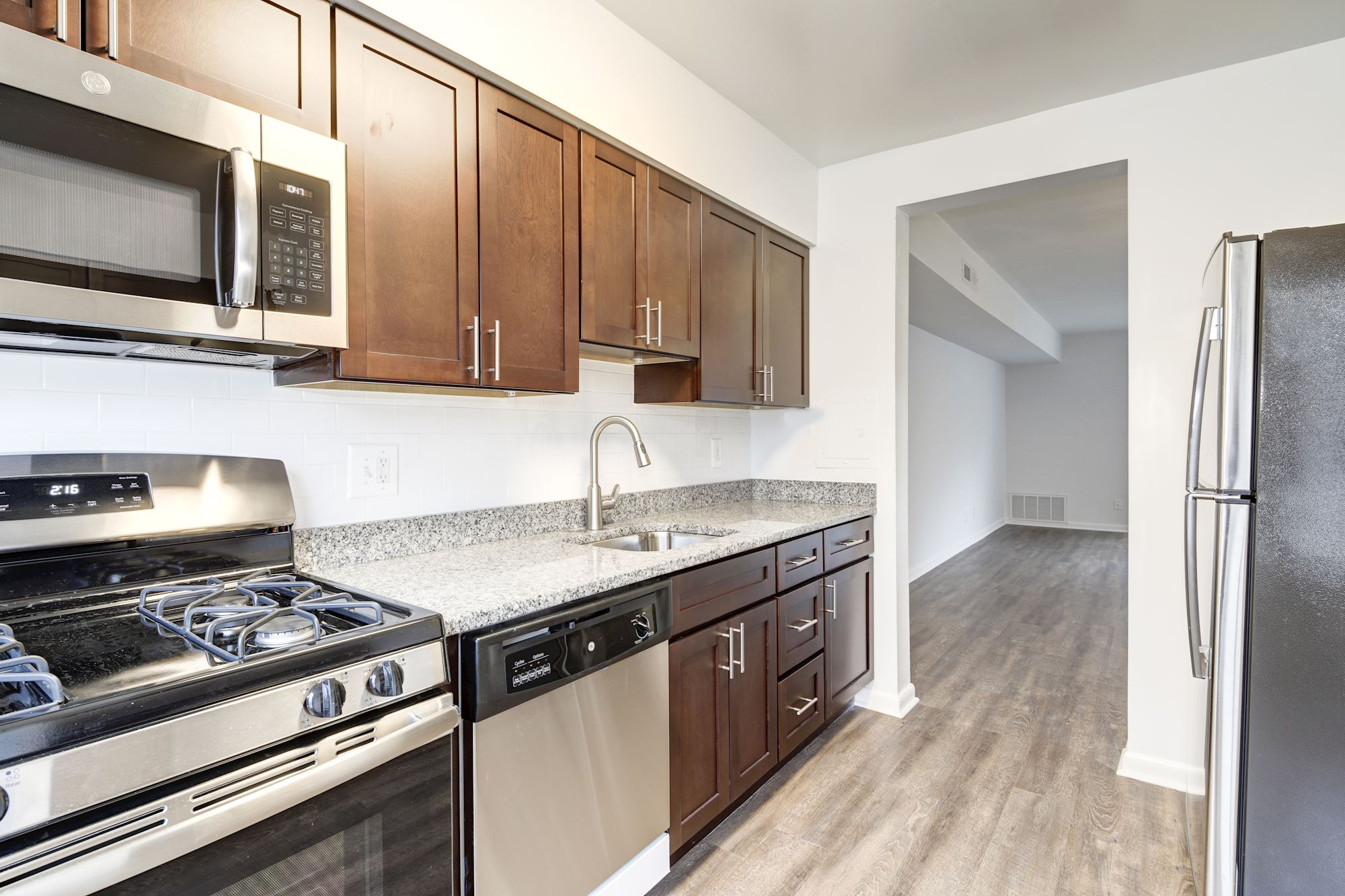 Hampton Manor Apartments & Townhomes in Cockeysville, MD - Townhome Kitchen