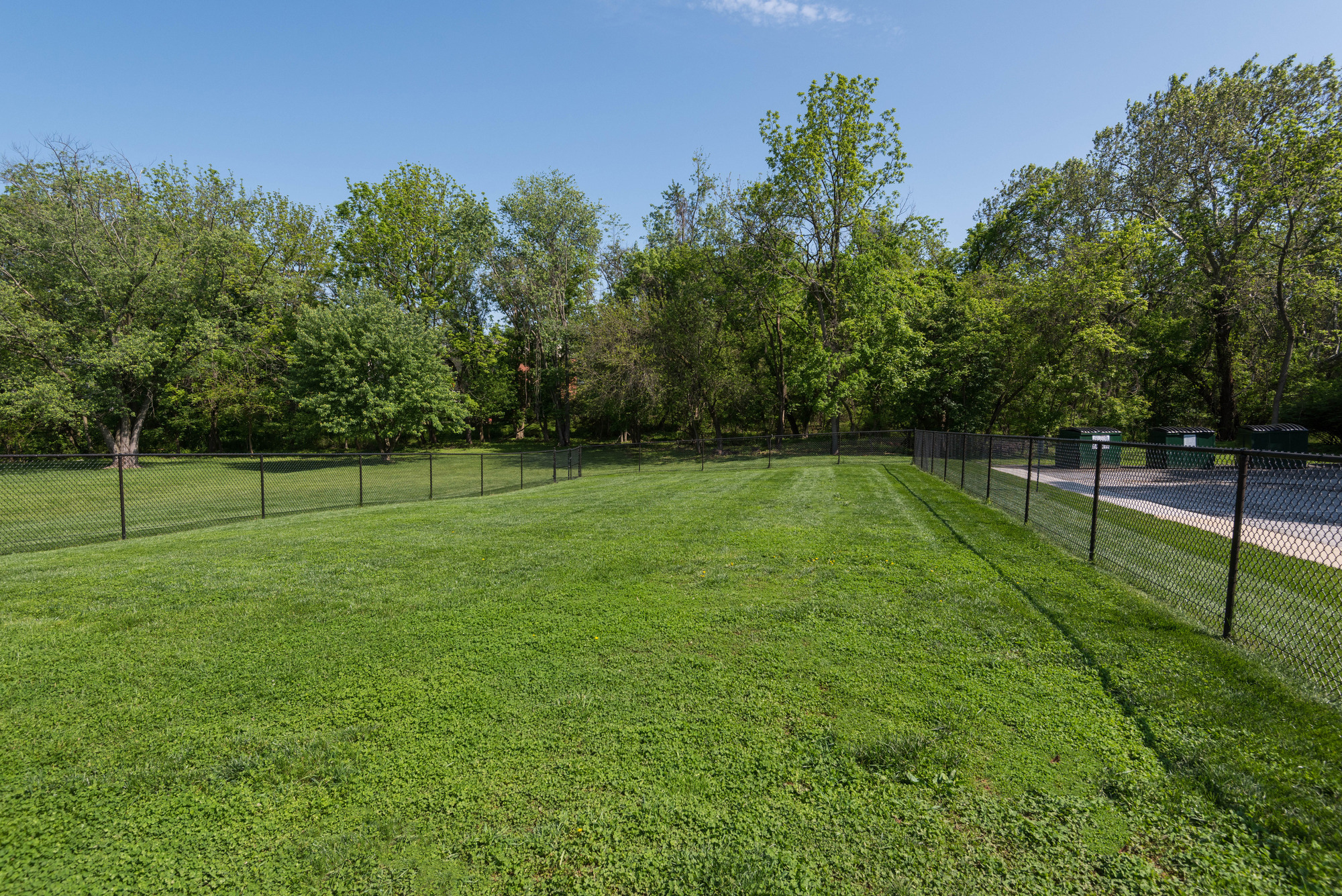 Hampton Manor Apartments & Townhomes in Cockeysville, MD - Dog Park