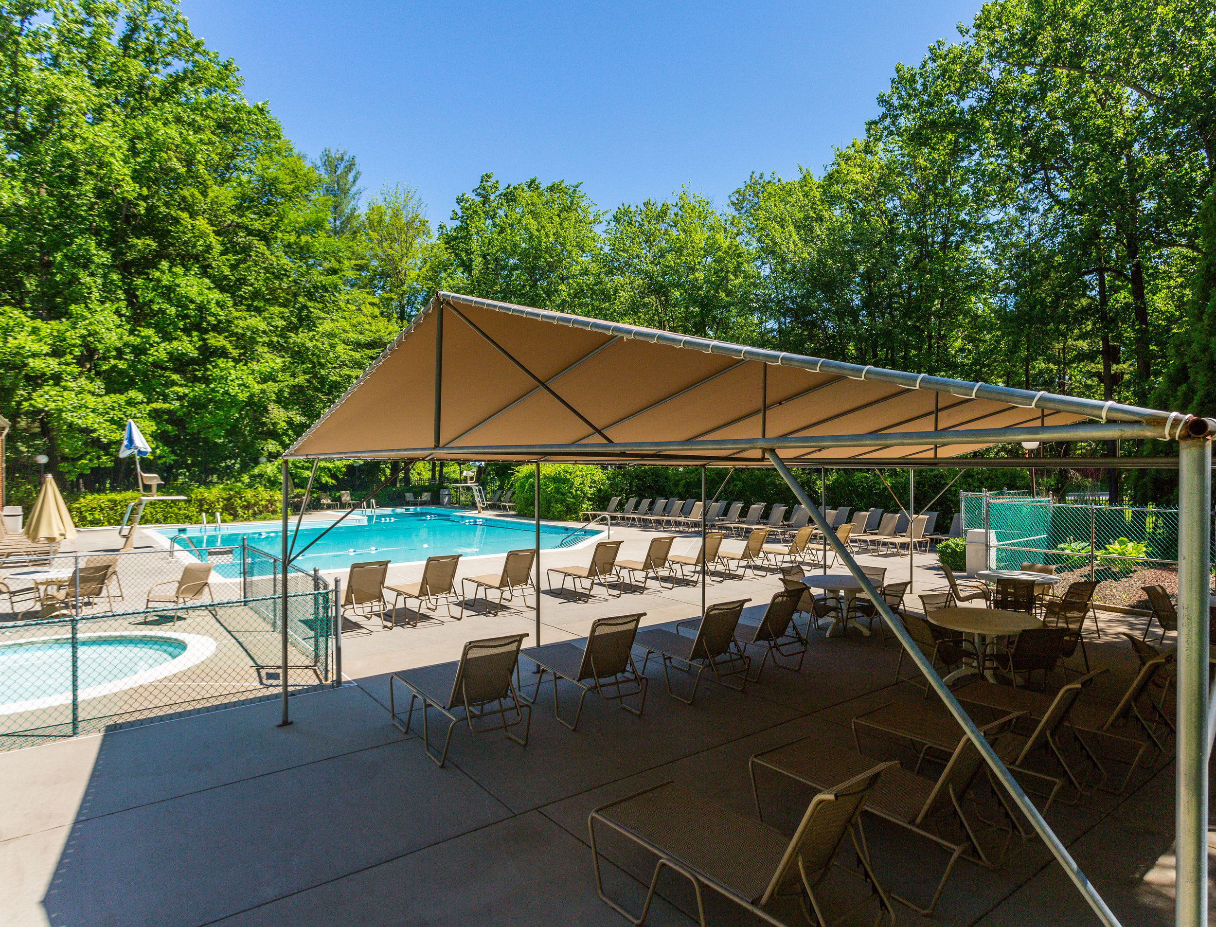 Swimming Pool - Annen Woods Apartments in Pikesville, MD