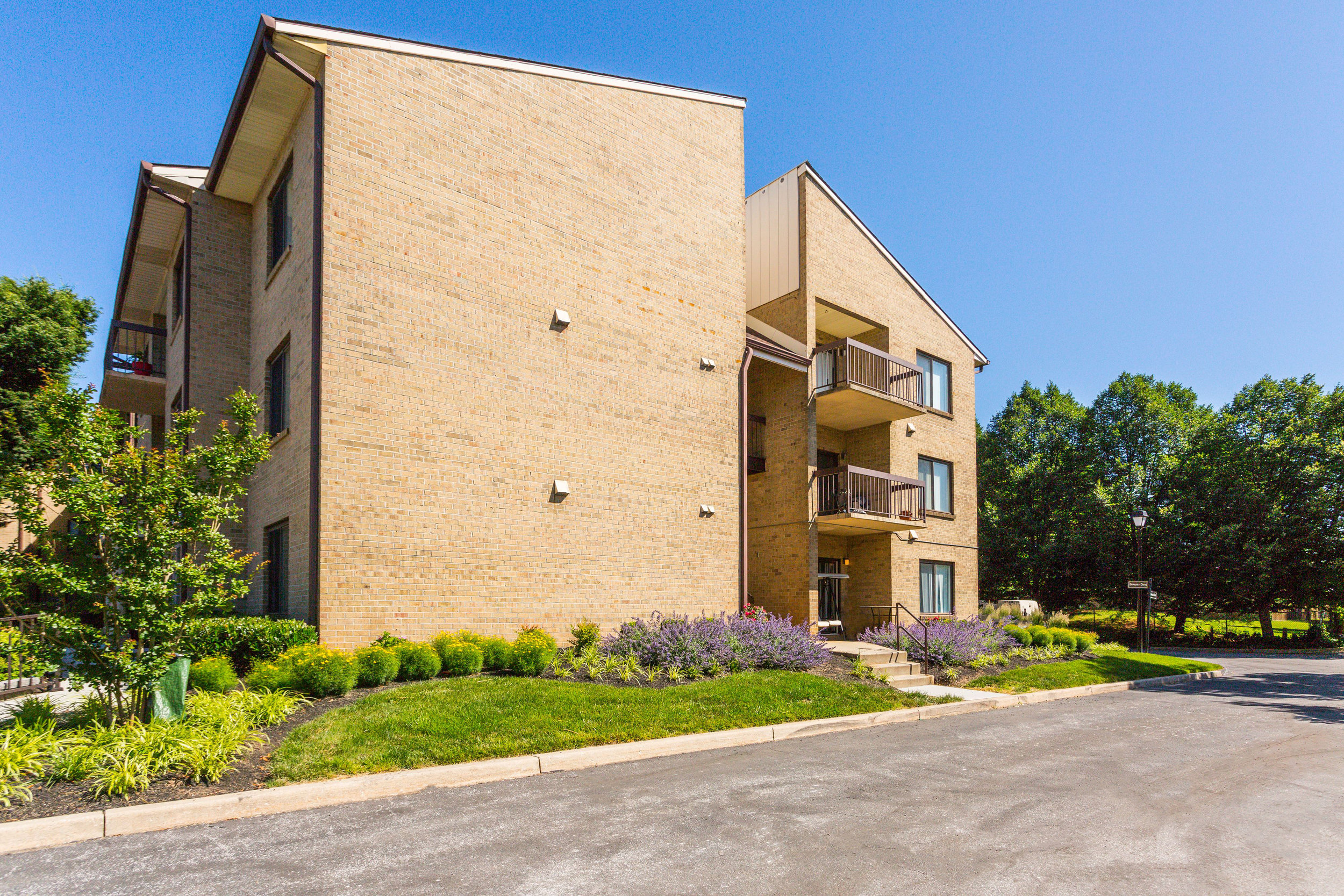 Annen Woods Apartment Community in Pikesville, MD 21208