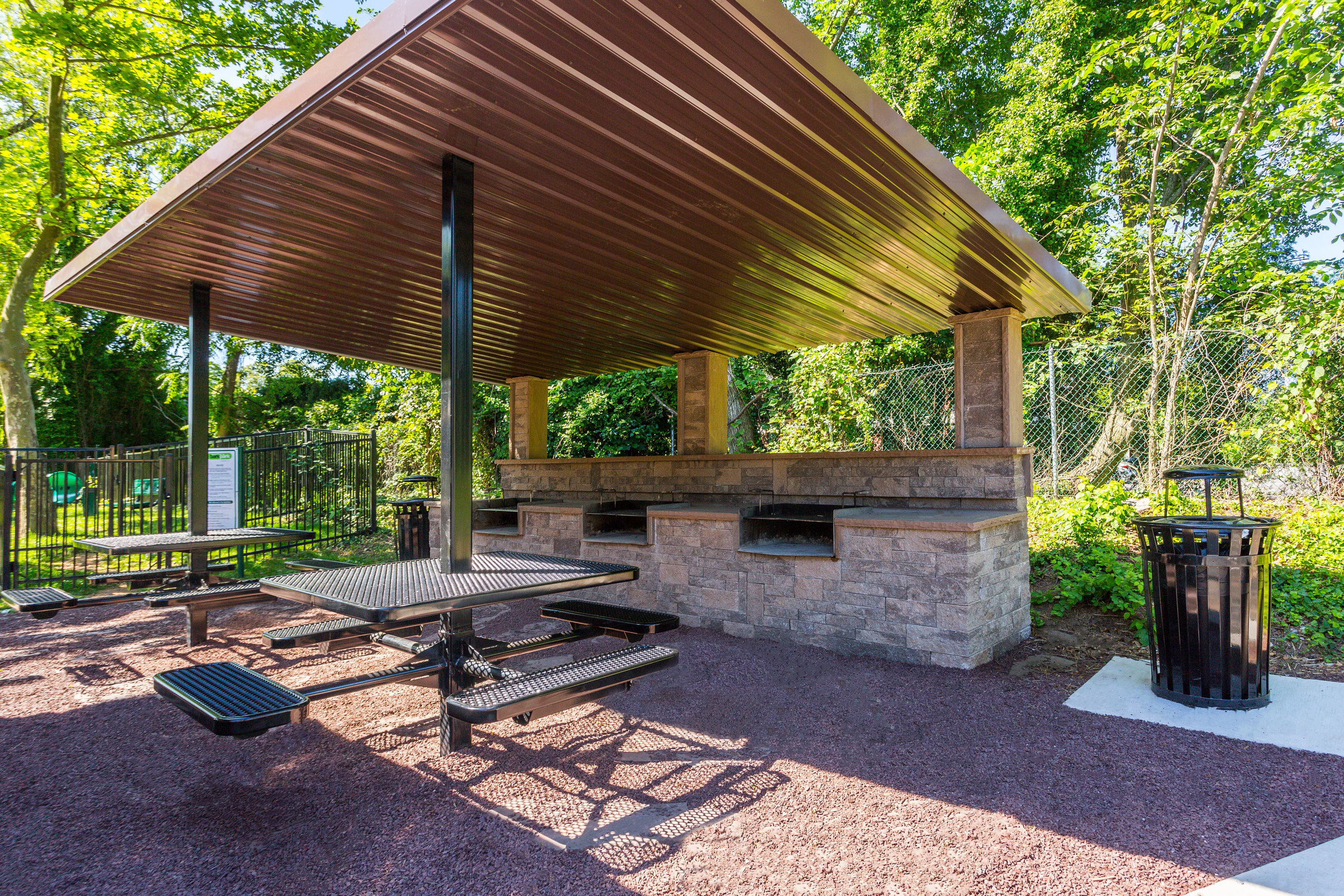 Annen Woods Apartments Grilling Area in Pikesville, MD