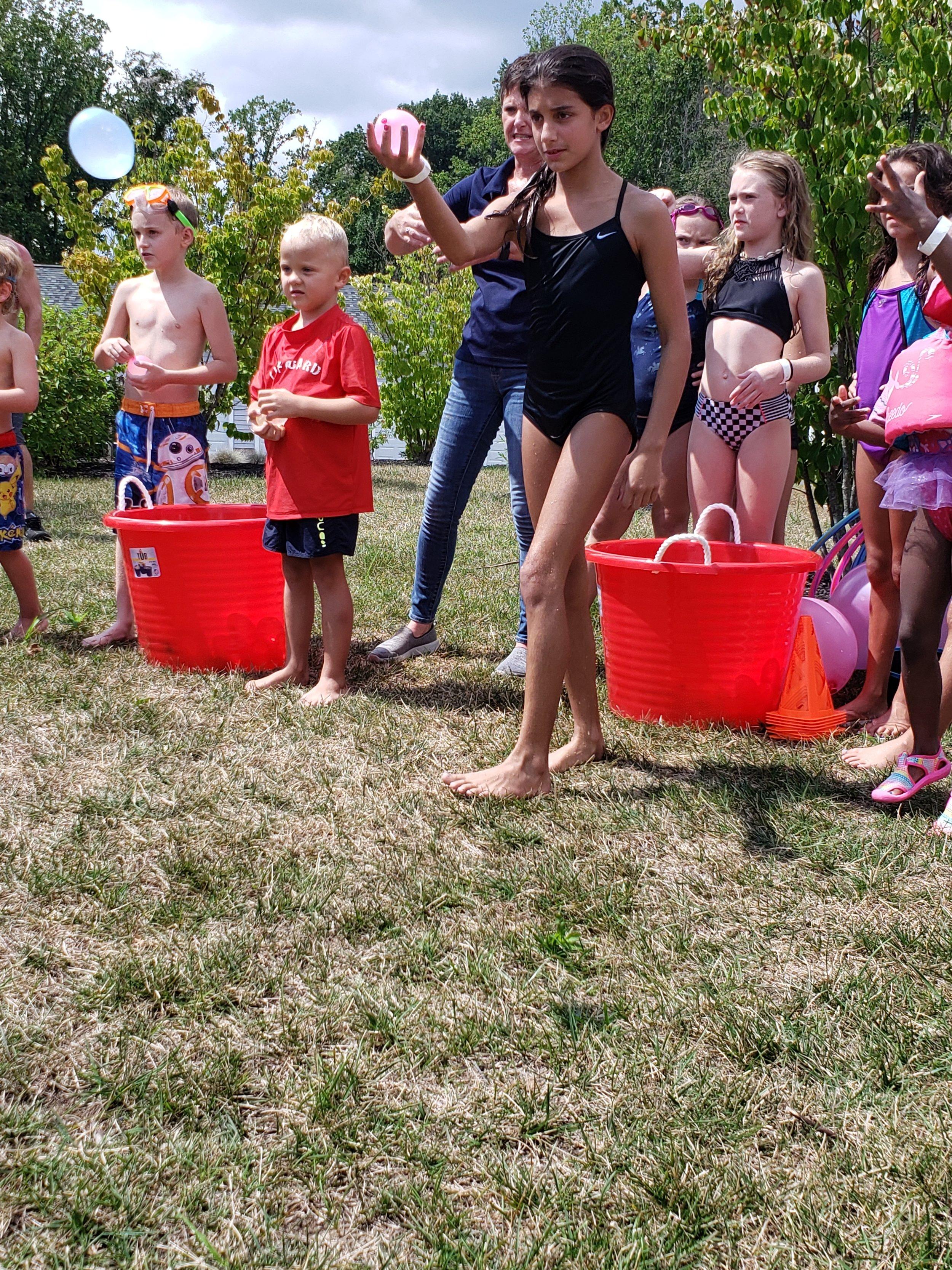 2019 Avanti Apartments Pool Party - Water Balloon Fight