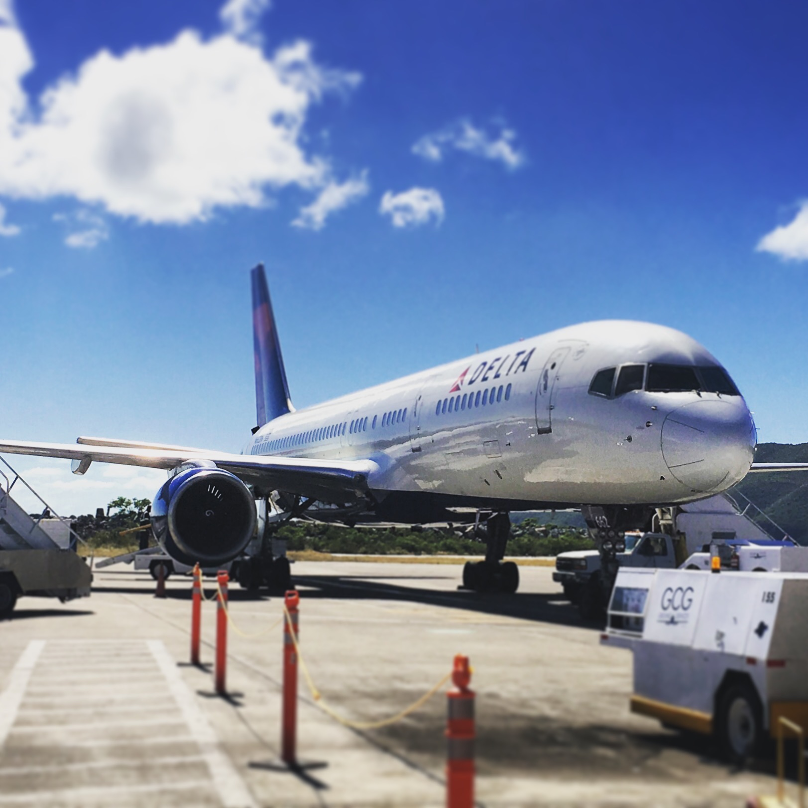"""The """"big three"""" U.S. """"legacy"""" airlines (American, Delta, United) are some of the largest operators of 757s today. Delta (shown here) maintains the world's largest fleet. Southwest, jetBlue, and Alaska Airlines operate exactly zero of them."""