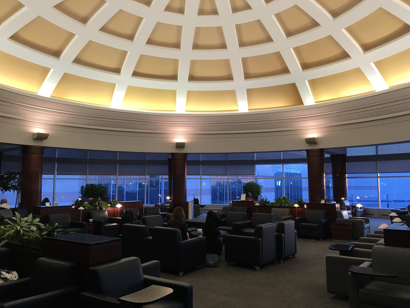 The American Airlines Admirals Club at the Charlotte Douglas International Airport (CLT) in Charlotte, NC is instantly recognizable thanks to its elegant rotunda.