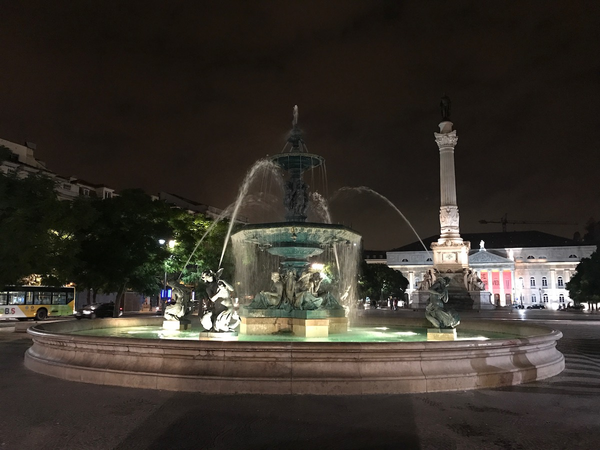 The fountain at Rossio Square marks the northern end of Rua Augusta.