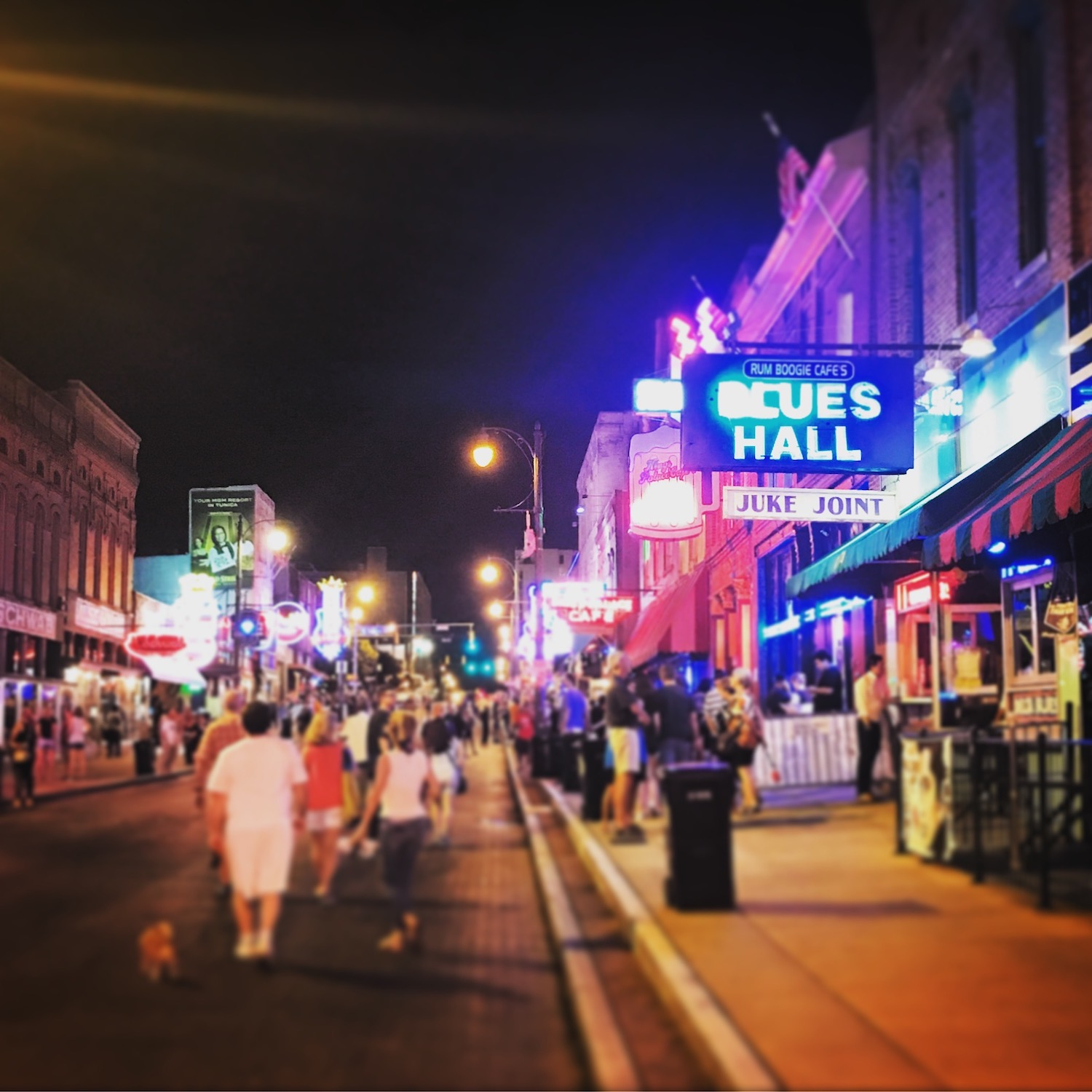 Sometimes it's OK to be a bit of a tourist. I stopped for BBQ on Beale Street in Memphis, Tennessee while traveling on business two weeks ago.