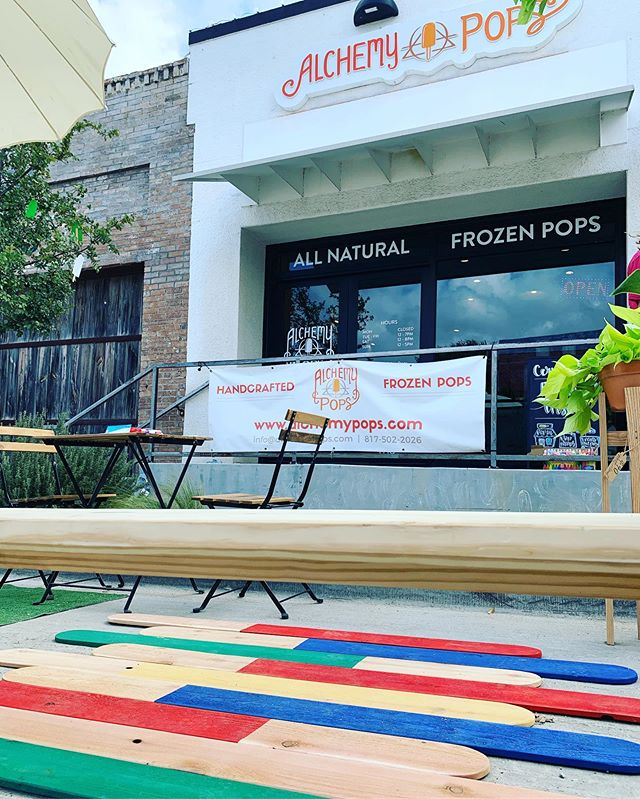 Park(ing) Day is ✨dreamy✨ thanks to @dunawayassociates for partnering to construct an amazing mini park today!! POP by today til 7pm to play in our parklet! #parkingday #parkingdayftw #liveworkplayfw #nearsouthside