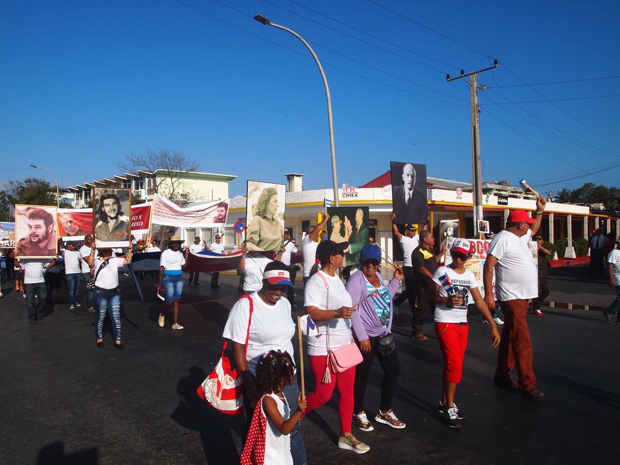 Varadero-May-Workers-Day-parade-Lenin.jpg