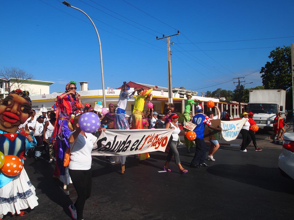 Varadero-May-Workers-Day-parade-costumes.jpg
