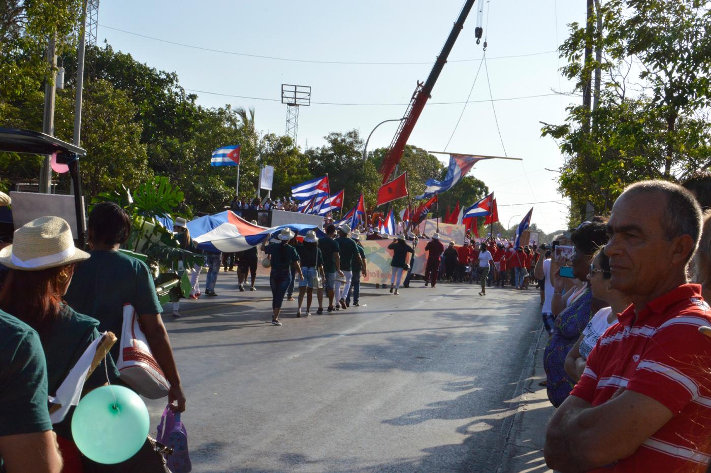 Varadero-May-Workers-Day-parade-people-watching.jpg