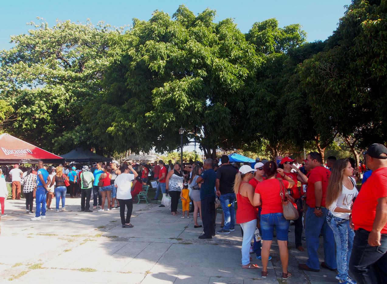 Varadero-May-Workers-Day-parade-cenral-park.jpg