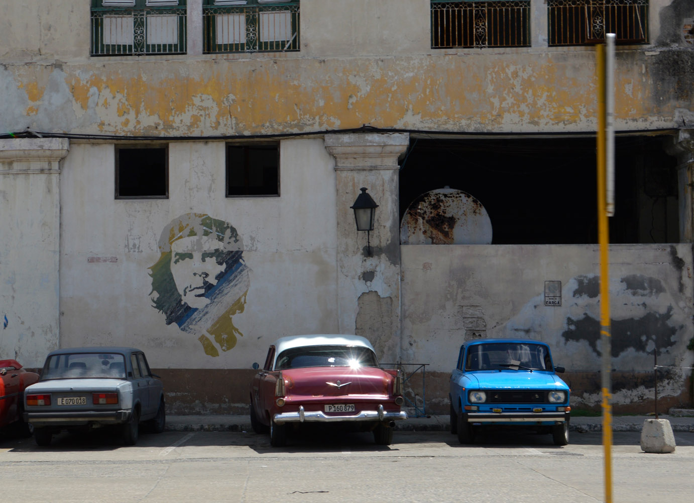 Cuba-Havana-Che-Guevara-building.jpg