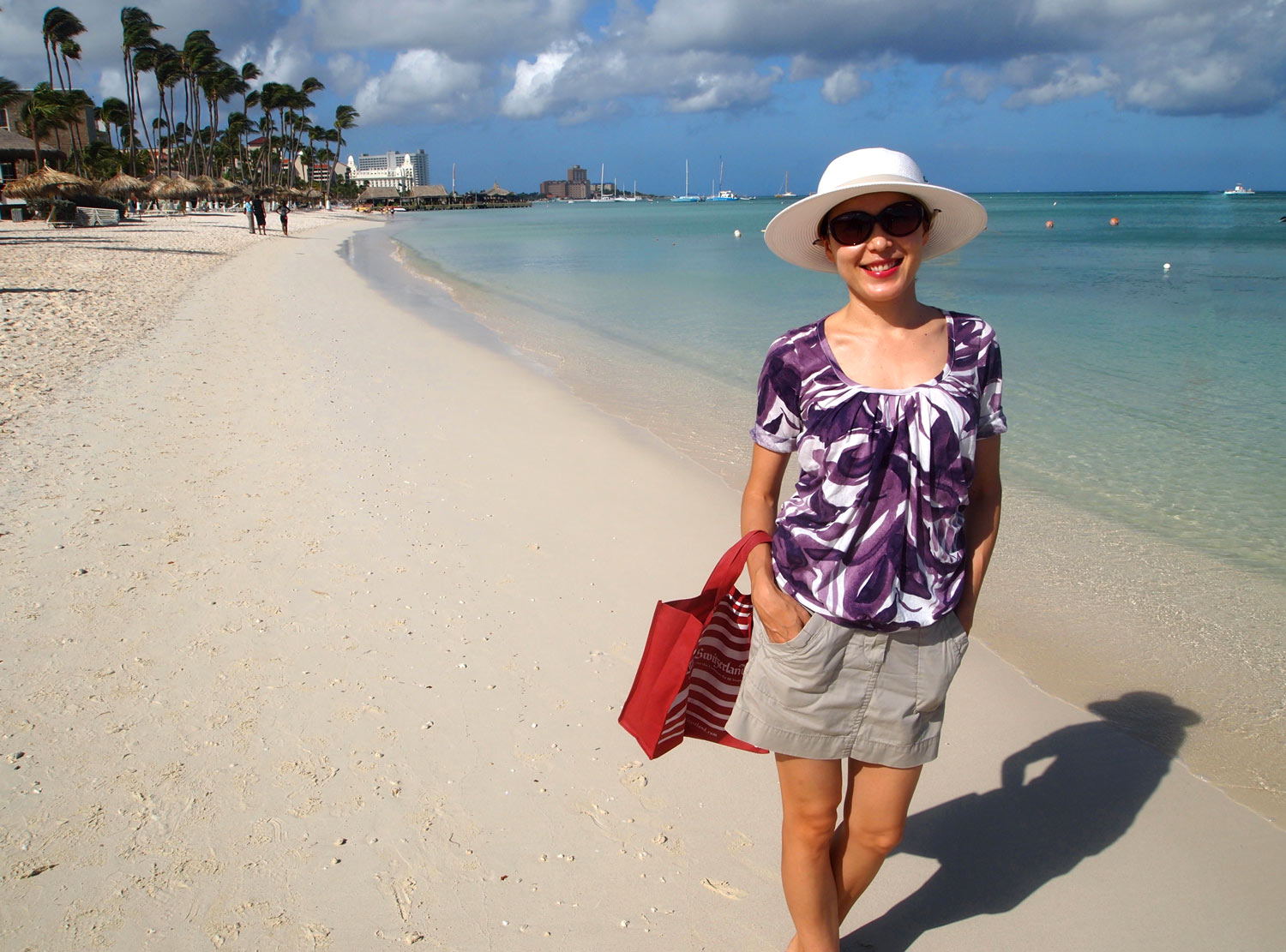 Aruba-Beach-Morning-Walk-Giselle.jpg