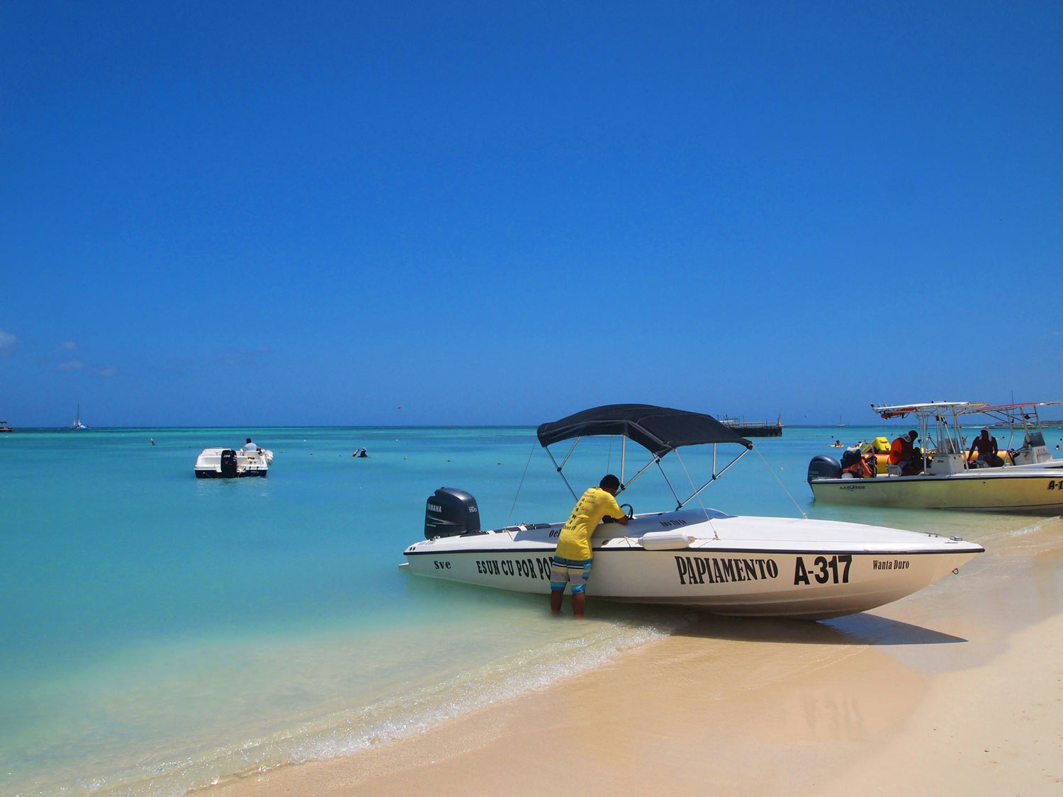 Aruba-Palm-Beach-small-boats.jpg