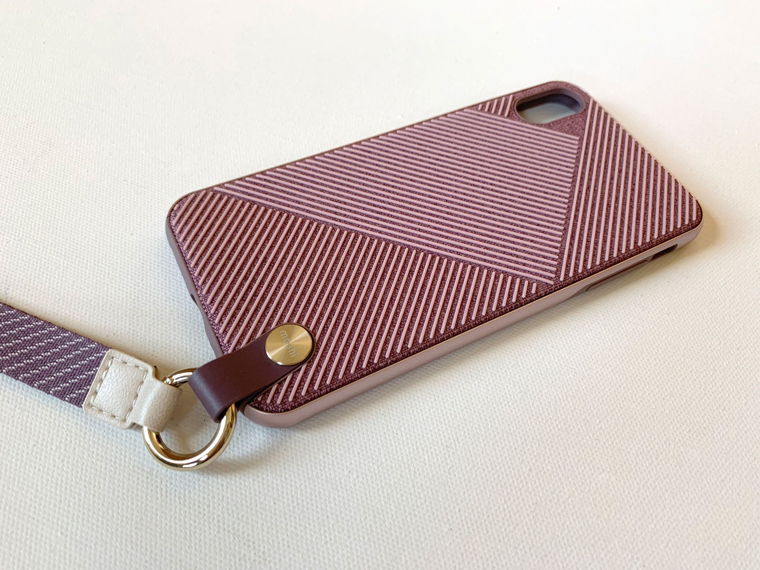 IPhone-XS-Max-Moshi-Altra-Case-With-Strap-1.jpg