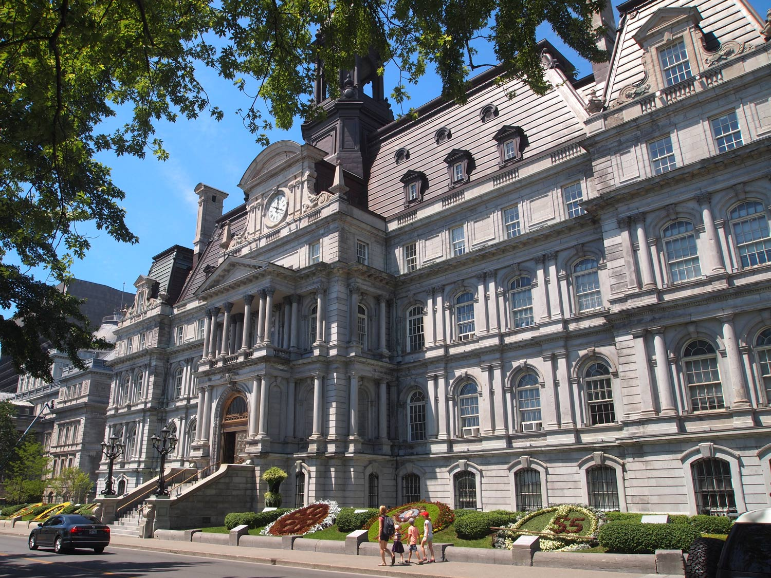 Montreal-City-Hall-Front.jpg