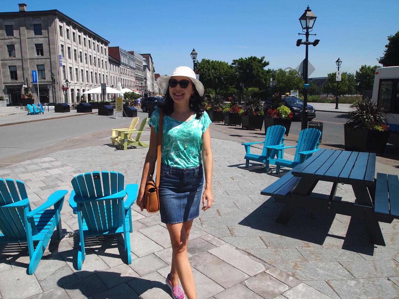 Montreal-de-la-Commune-chairs-outside.jpg