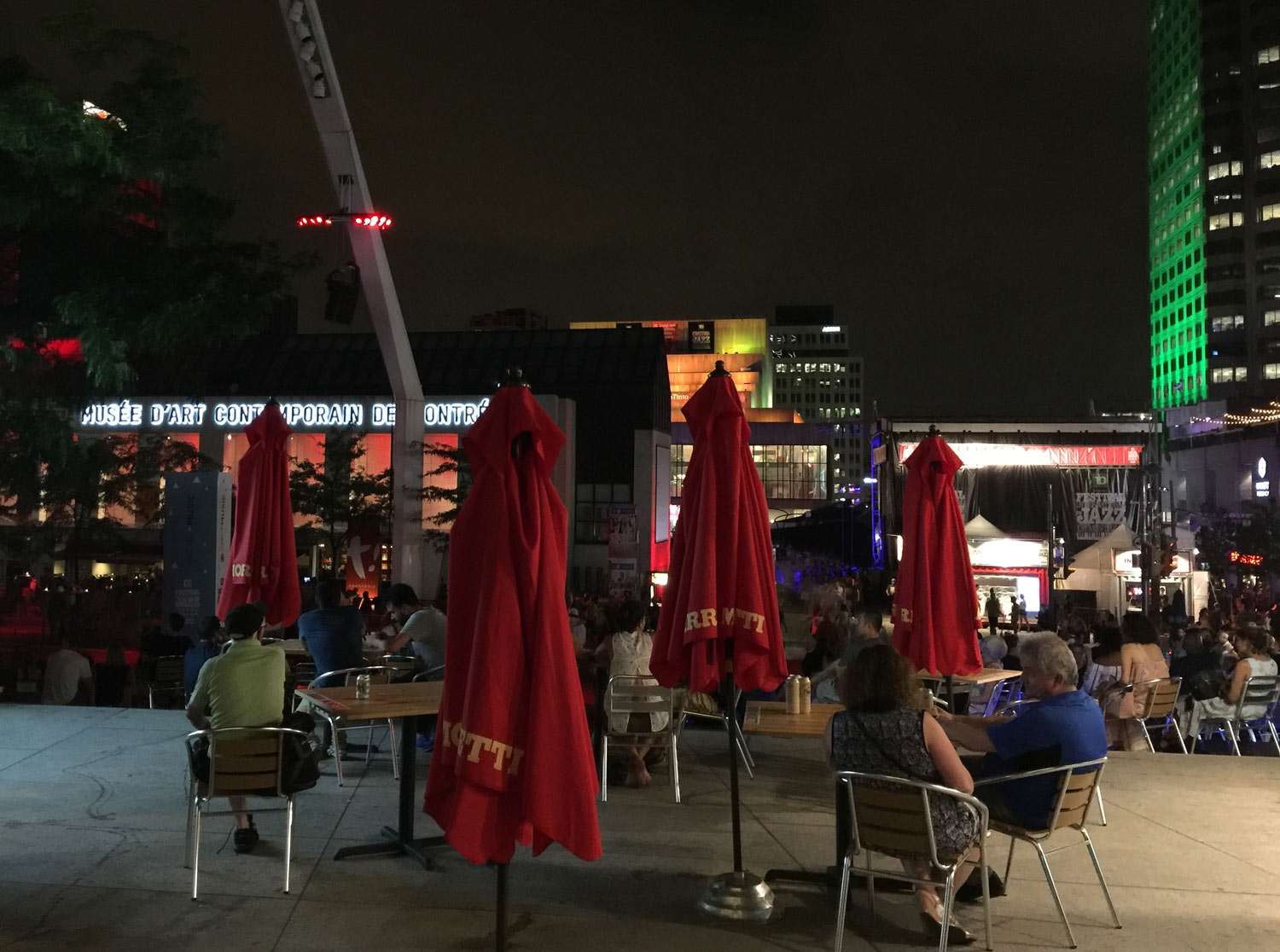 Montreal-Jazz-Festival-Quartier-des-Spectacles-Bar-Seating-Tables.jpg