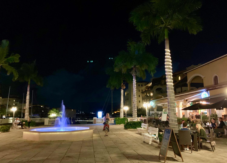 Saint-Martin-Porto-Cupecoy-Square-restaurants.jpg
