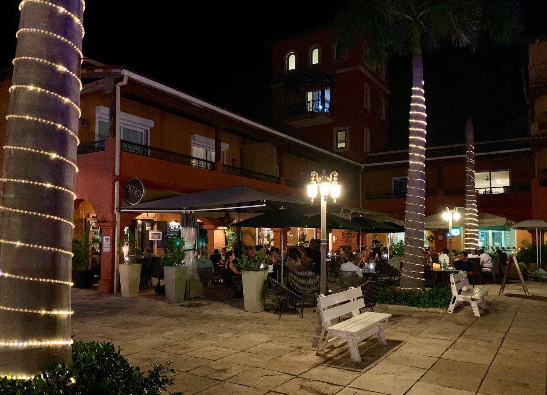 Saint-Martin-Cupecoy-Restaurant-Altro.jpg
