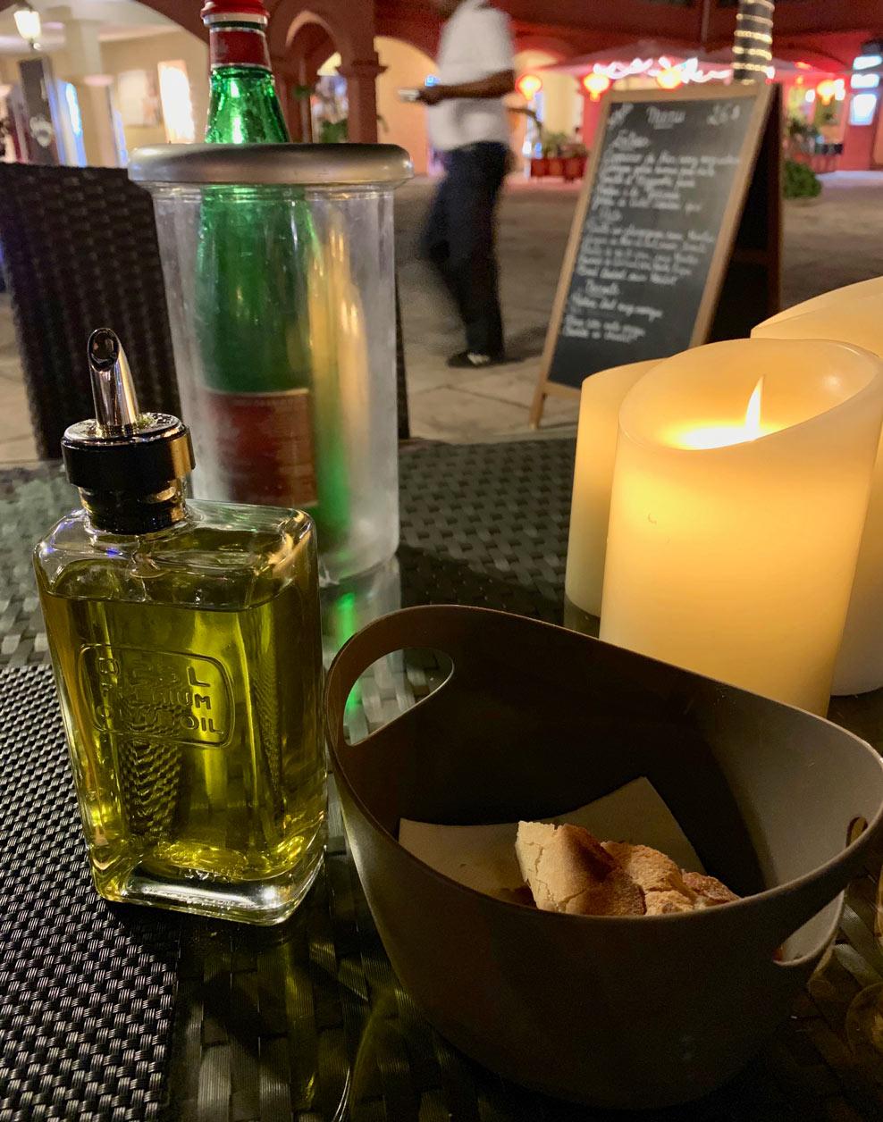 Saint-Martin-Restaurant-Altro-Olive-Oil-Bread.jpg