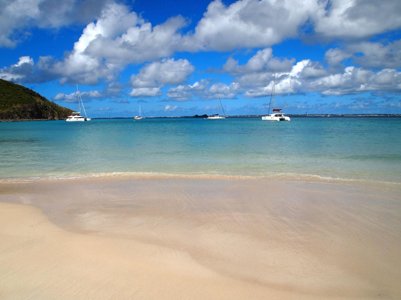 Saint-Martin-Anse-Marcel-shallow-beach.jpg