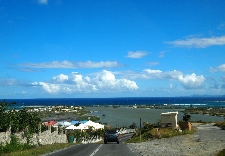 Saint-Martin-Le-Galion-beach-road.jpg
