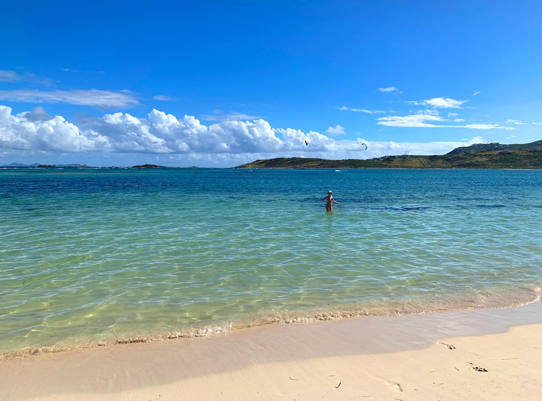 Saint-Martin-Le-Galion-beach-shallow-water.jpg