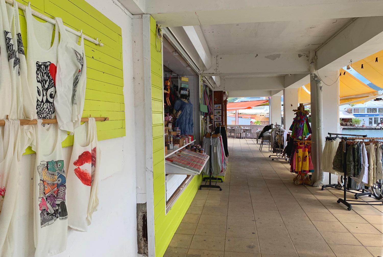 Saint-Martin-Marina-Port-Royale-Ananas-clothing-shop.jpg