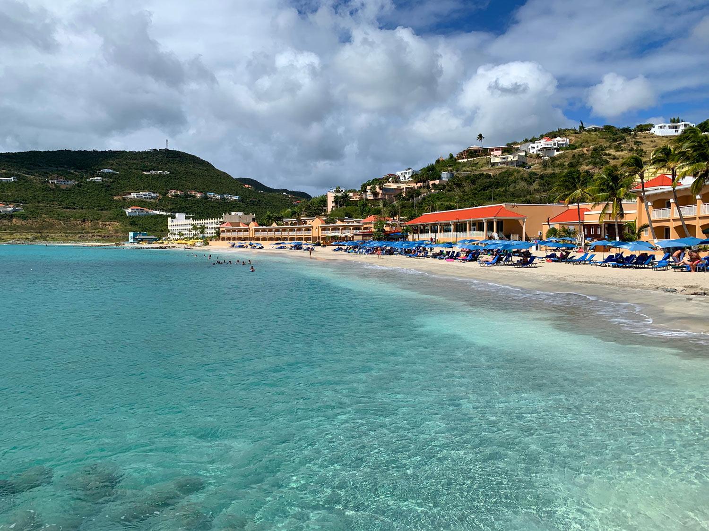 St-Maarten-Divi-Little-Bay-Beach.jpg